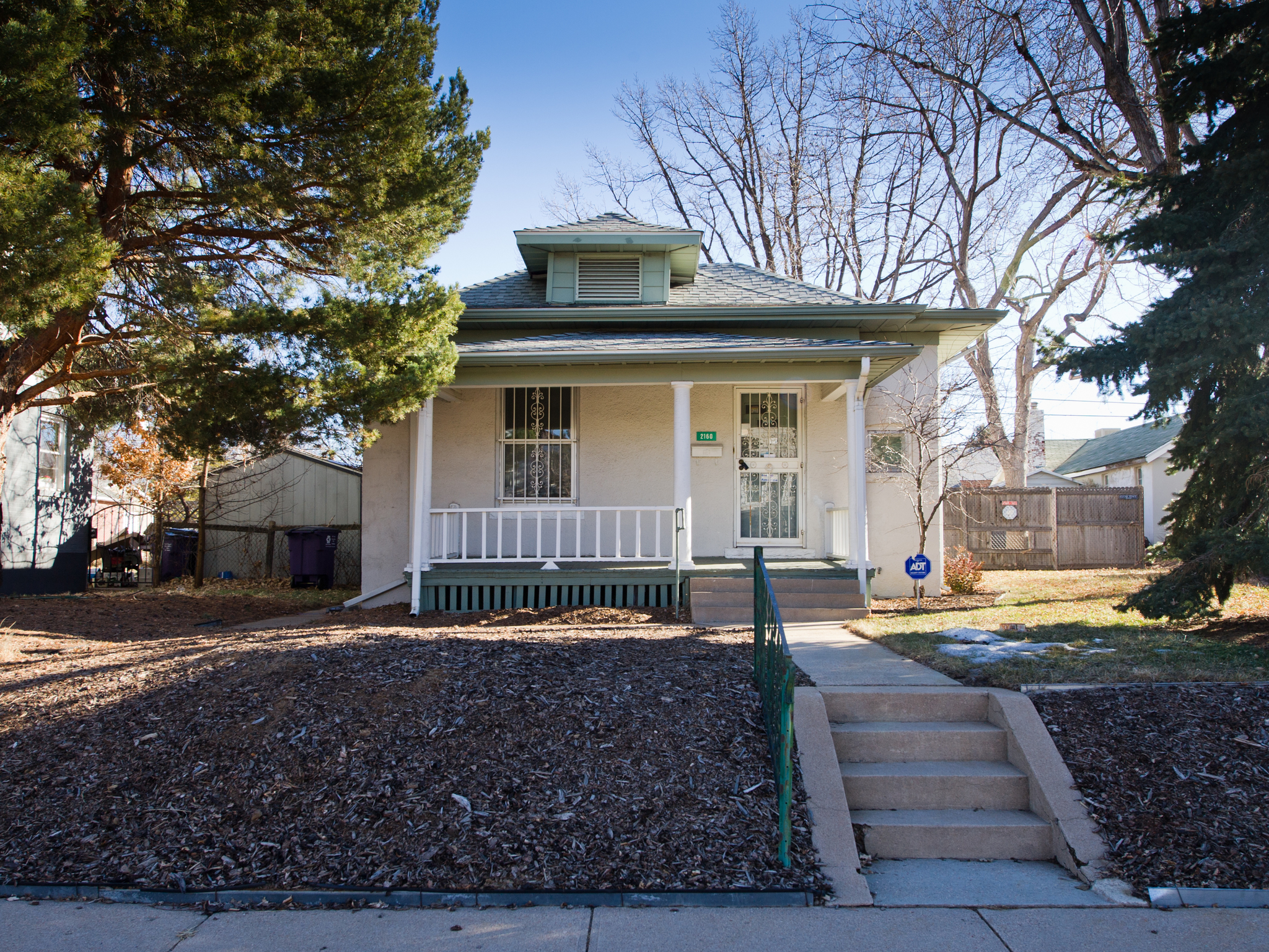 Single Family Home for Sale at Conveniently located near shops! 2160 South Grant Street Platt Park, Denver, Colorado 80210 United States