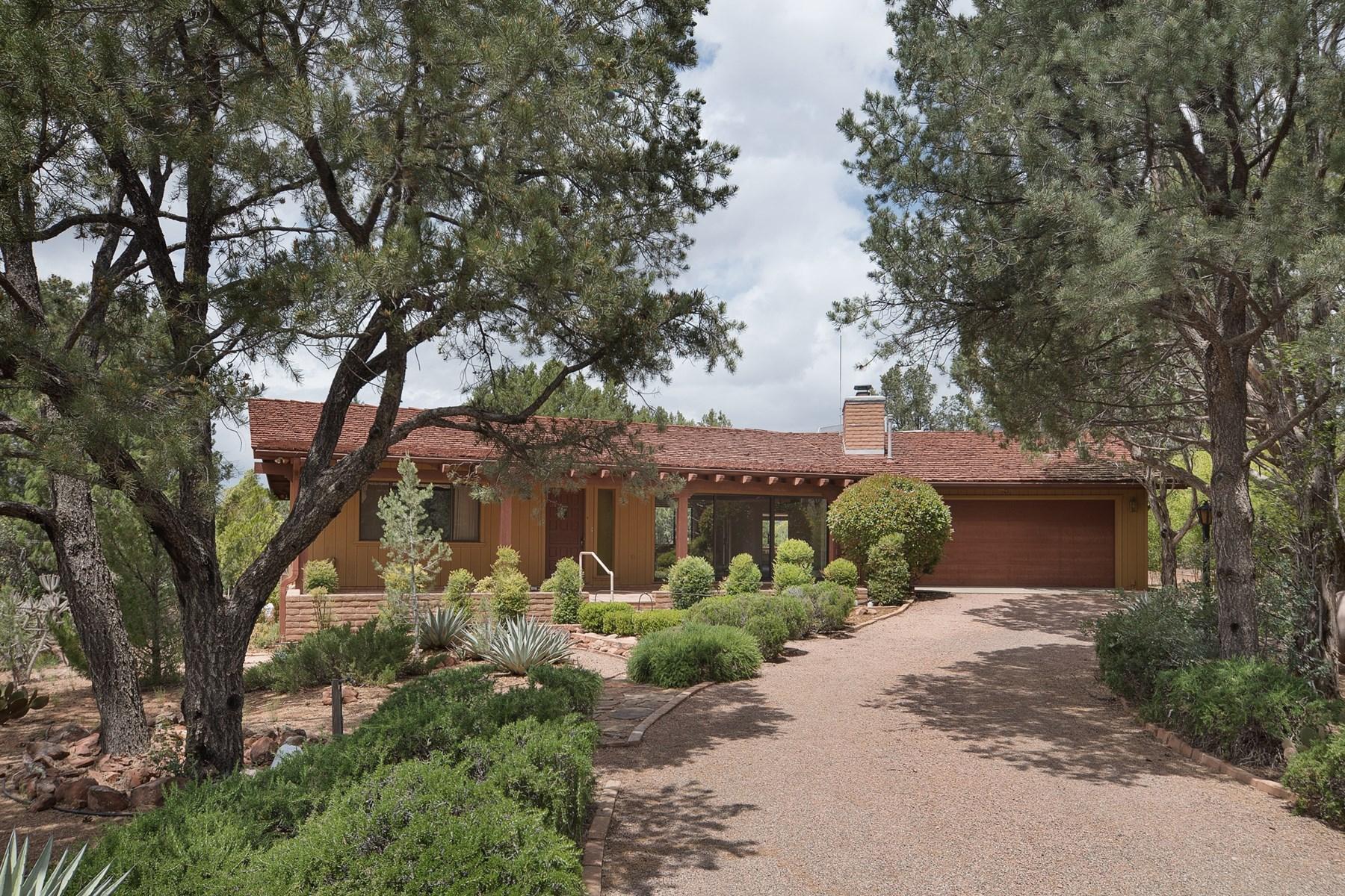 Tek Ailelik Ev için Satış at Solidly built home with a spacious and comfortable floor plan 411 Fox Rd Sedona, Arizona 86336 Amerika Birleşik Devletleri