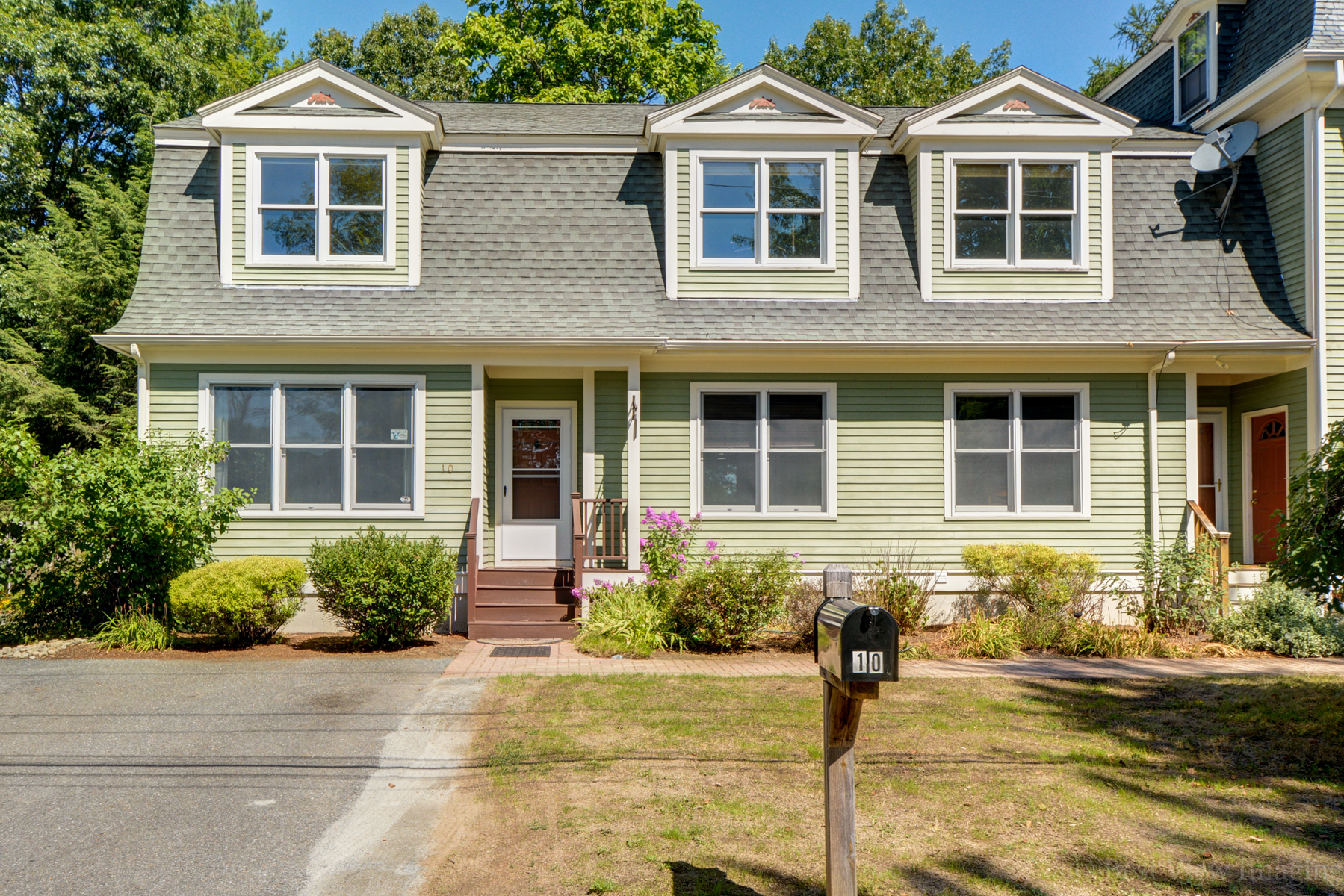 Single Family Home for Sale at One of a kind stylish home is available for the first time in popular West Conco 10 Highland St Concord, Massachusetts, 01742 United States