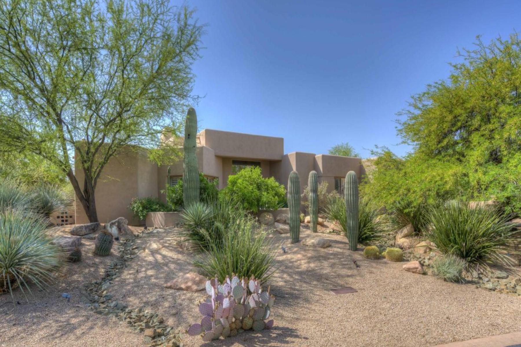 Nhà ở một gia đình vì Bán tại Great value in the world famous Boulders community 7453 E Thorntree Dr Scottsdale, Arizona, 85266 Hoa Kỳ