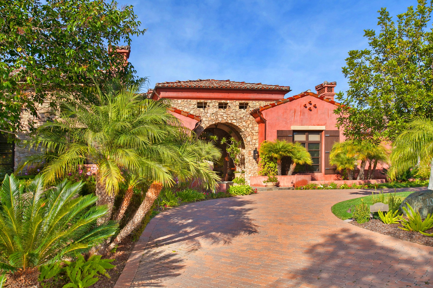Additional photo for property listing at 18307 Calle La Serra  Rancho Santa Fe, Californie 92067 États-Unis