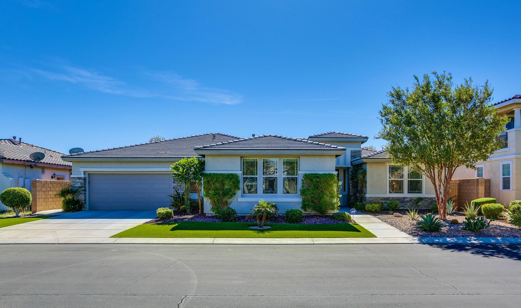 独户住宅 为 销售 在 83313 Lone Star Road 印第奥, 加利福尼亚州 92203 美国