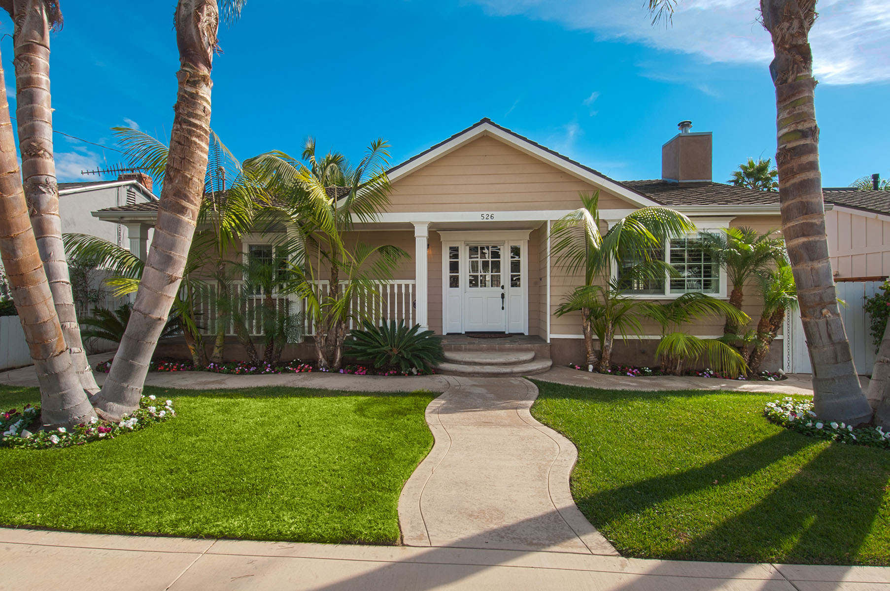 Single Family Home for Sale at 526 Westminster Ave Newport Beach, California 92663 United States