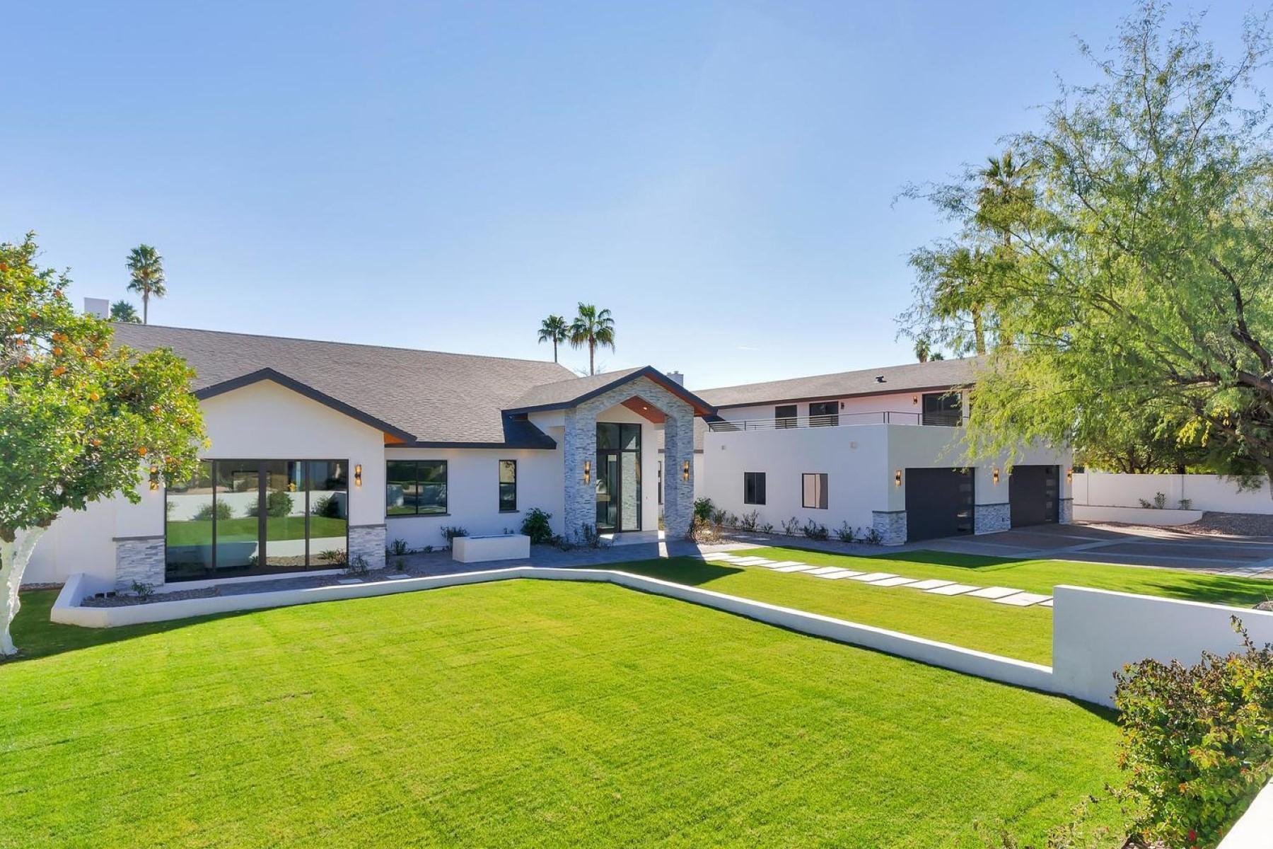 단독 가정 주택 용 매매 에 New contemporary home in the heart of Arcadia 5633 E Lafayette Blvd Phoenix, 아리조나, 85018 미국