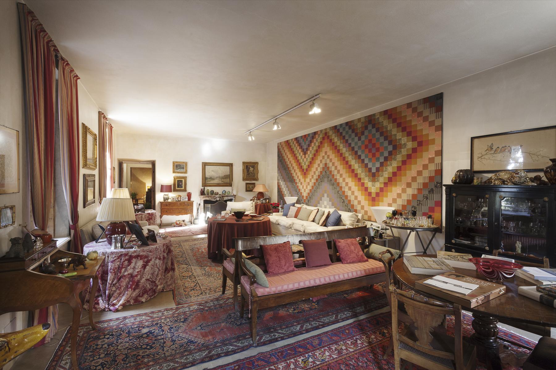 Additional photo for property listing at A fascinating XVII century Villa in Revigliasco Hill Strada Moncalieri Other Turin, Turin 10024 Italia