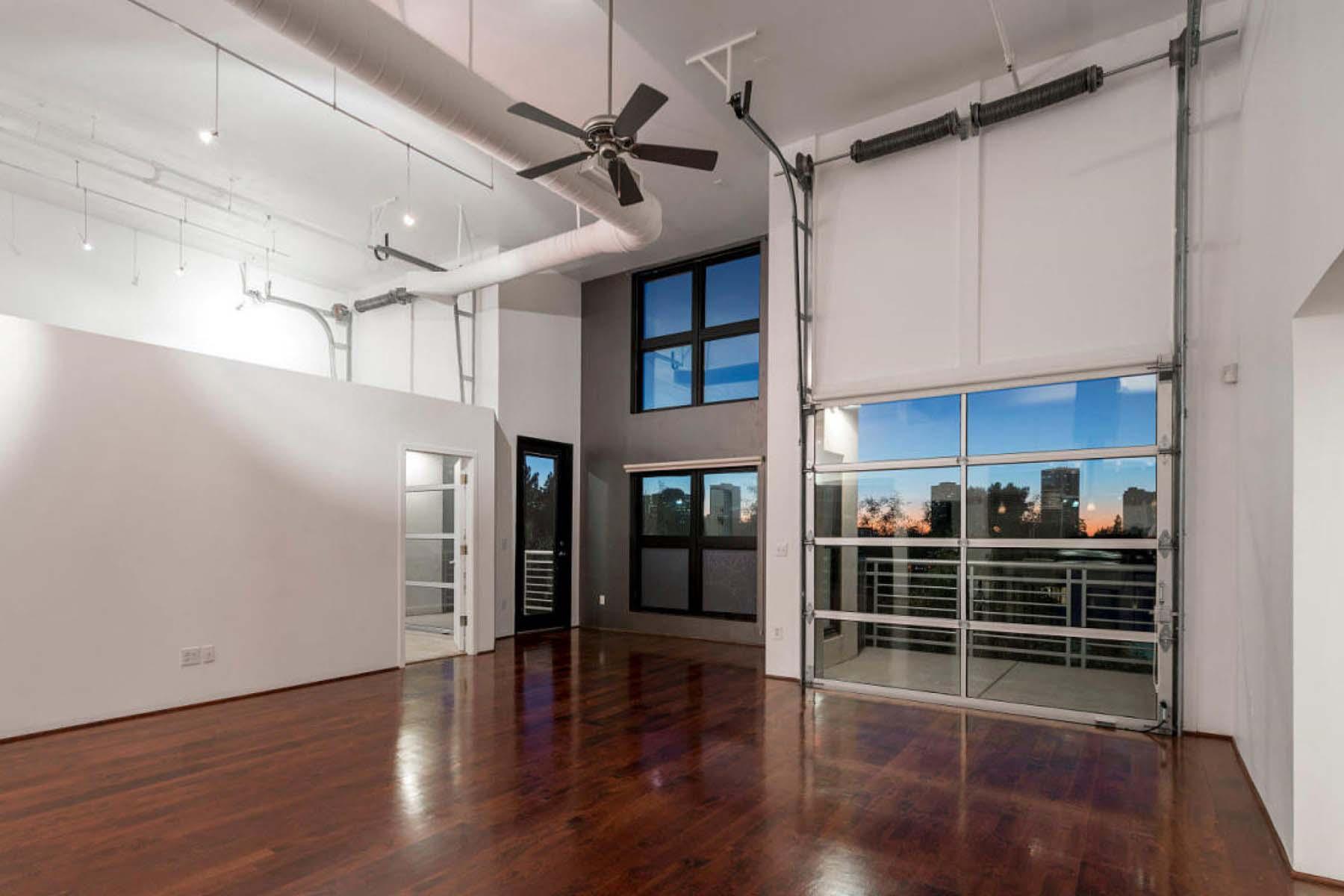 Konak için Satış at One-of-a-Kind Artisan Loft Comprised Of Three Original Units 914 E Osborn Road #405 Phoenix, Arizona 85014 Amerika Birleşik Devletleri