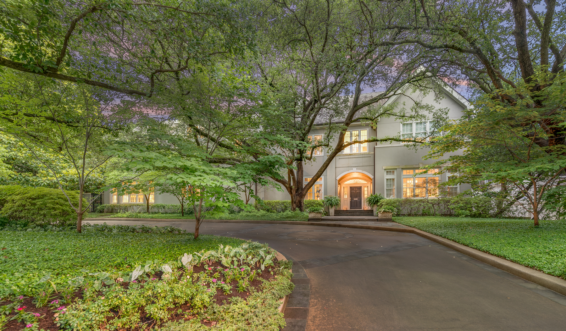 Single Family Home for Sale at Elegant and Classically Beautiful Home 4015 Beverly Drive Dallas, Texas 75205 United States