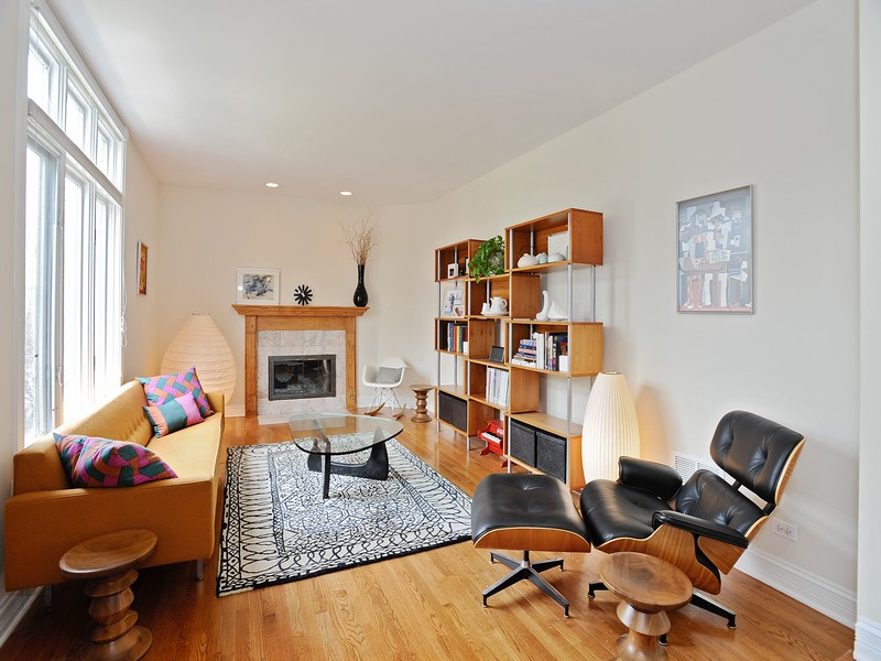 Casa para uma família para Venda às Well Designed Brick Home 2047 N Honore Street Logan Square, Chicago, Illinois 60614 Estados Unidos