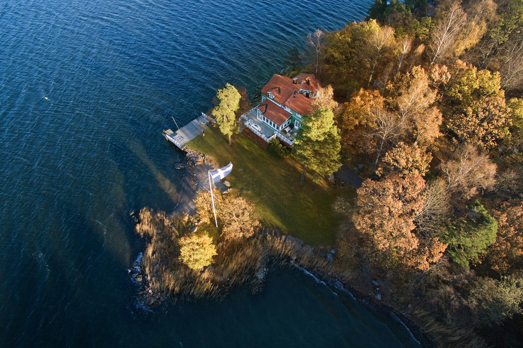 단독 가정 주택 용 매매 에 Villa Ugglebo, on Northern Djurgården (National park) Stockholm, Stockholm, 스웨덴