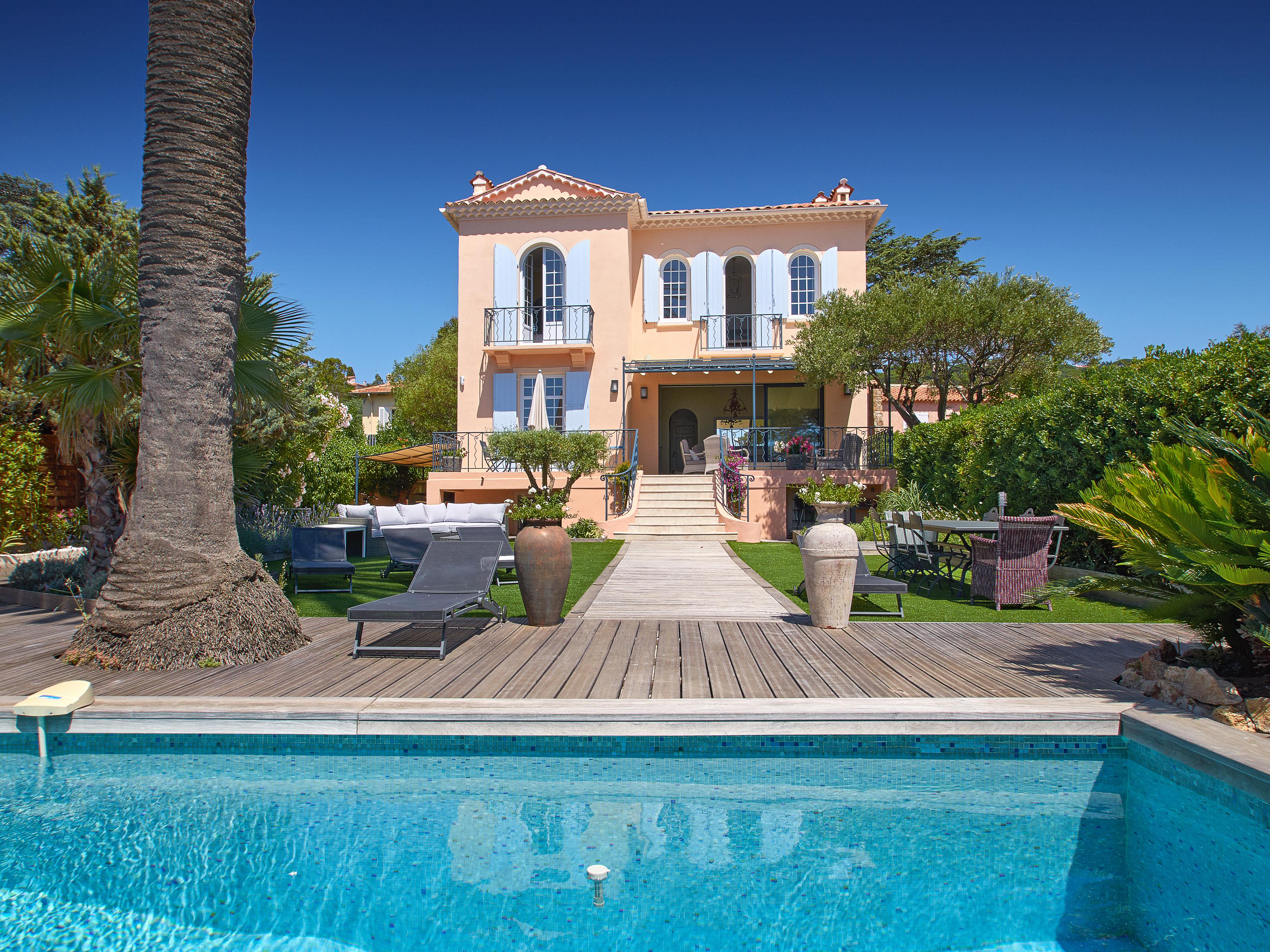 Villa per Vendita alle ore First line 'Belle Epoque' property with panoramic sea views Saint Maxime Other Provence-Alpes-Cote D'Azur, Provenza-Alpi-Costa Azzurra 83120 Francia