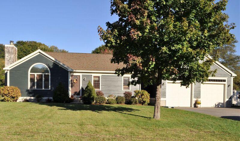 Casa Unifamiliar por un Venta en 7 Stoney Wier Rd. 7 Stoney Weir Rd. Halifax, Massachusetts, 02338 Estados Unidos