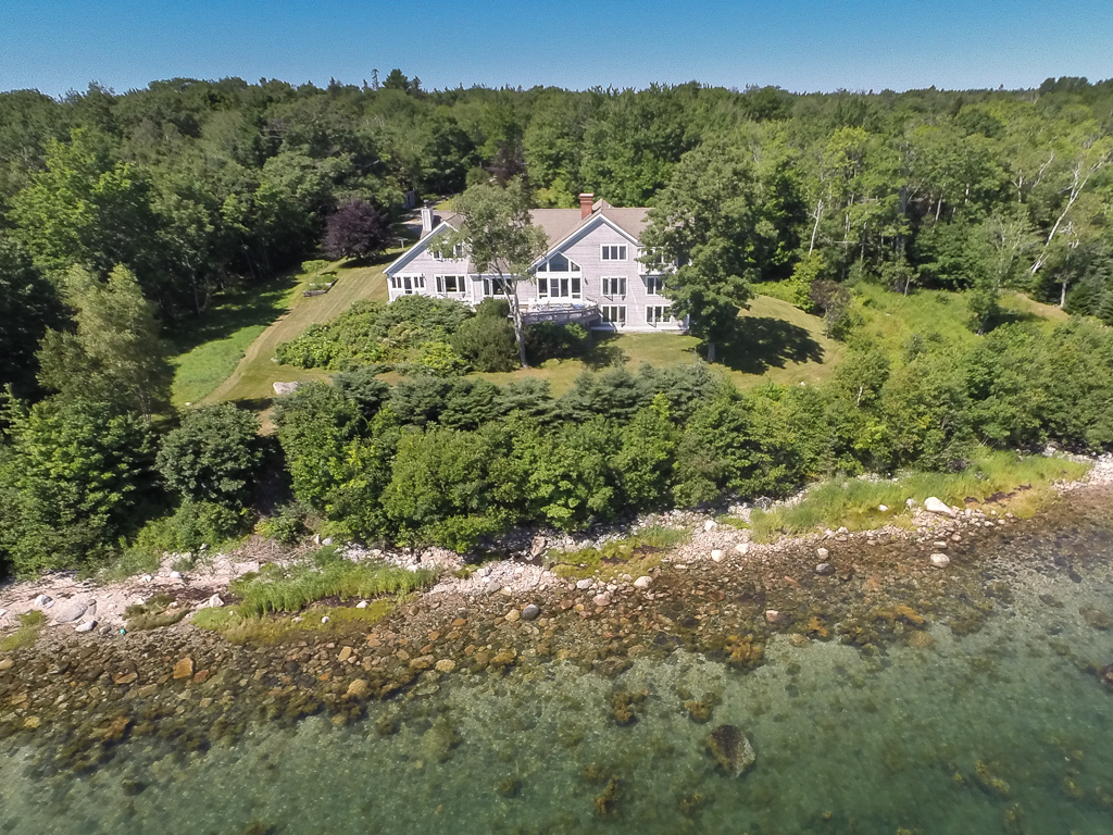 Villa per Vendita alle ore Reach Haven 536 Reach Road Deer Isle, Maine, 04627 Stati Uniti