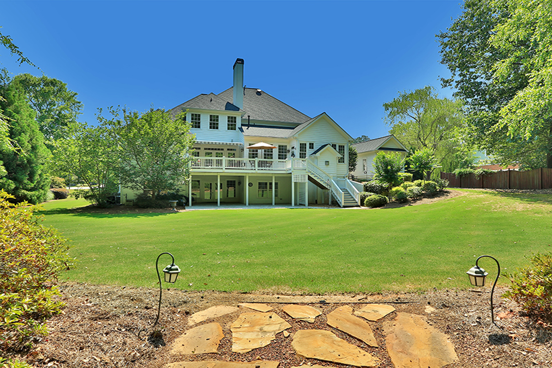 Additional photo for property listing at What A Gem! Truly Custom Highgrove Home 325 Highgrove Drive Fayetteville, Georgia 30215 États-Unis