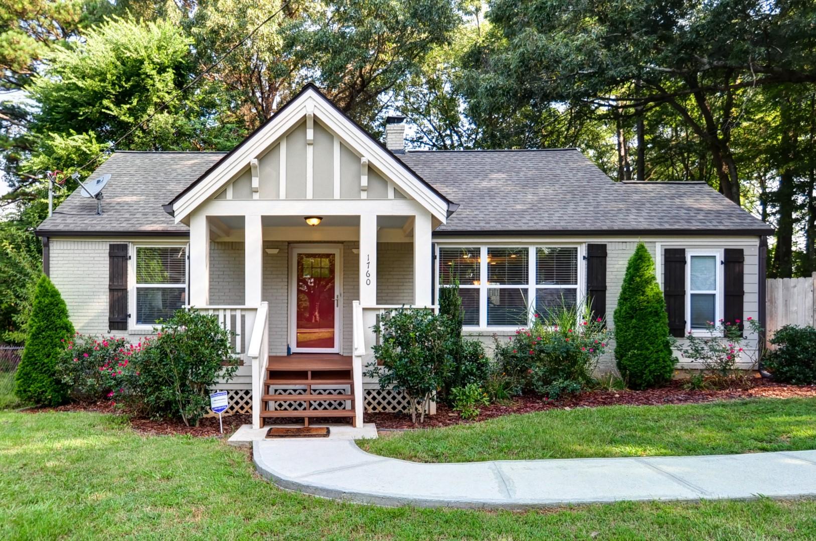Einfamilienhaus für Verkauf beim Absolutely Charming Bungalow in East Atlanta 1760 Clifton Way SE East Atlanta, Atlanta, Georgia 30316 Vereinigte Staaten