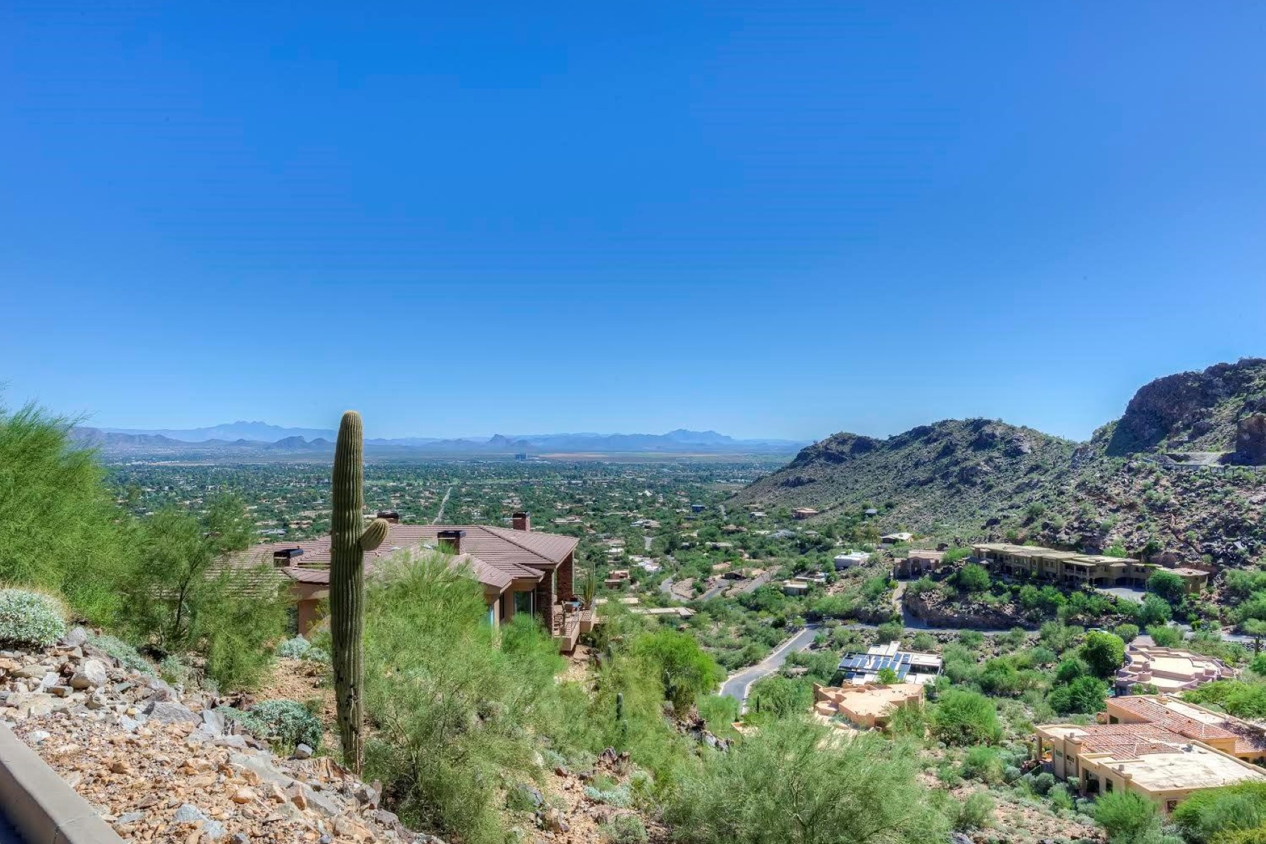 Terrain pour l Vente à Highly Elevated 2.5 Acre Stunning View Lot in Paradise Valley 5680 E Cheney Drive #13 Paradise Valley, Arizona 85253 États-Unis