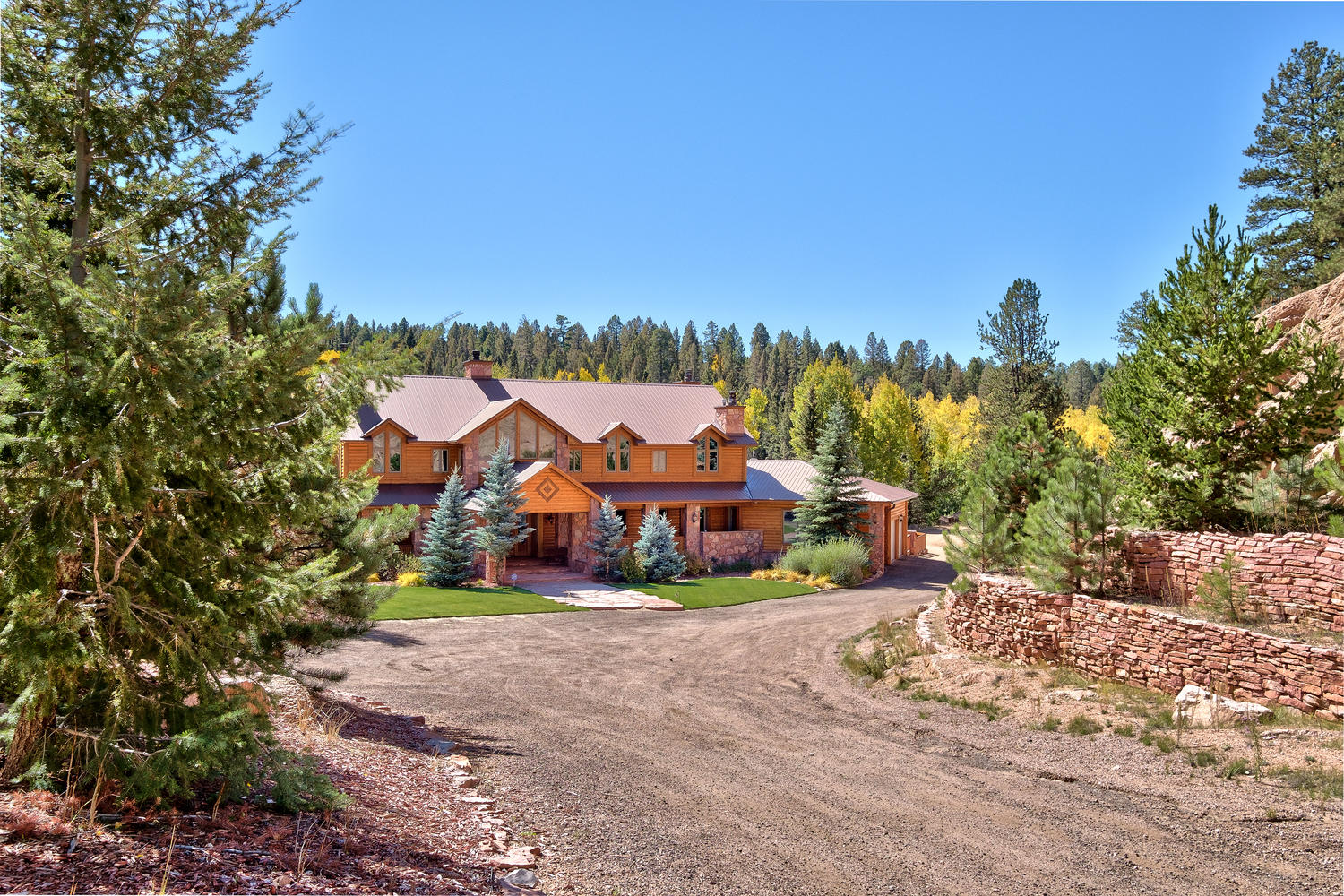 Single Family Home for Active at 10 Kutsu Ridge Rd Florissant, Colorado 80816 United States