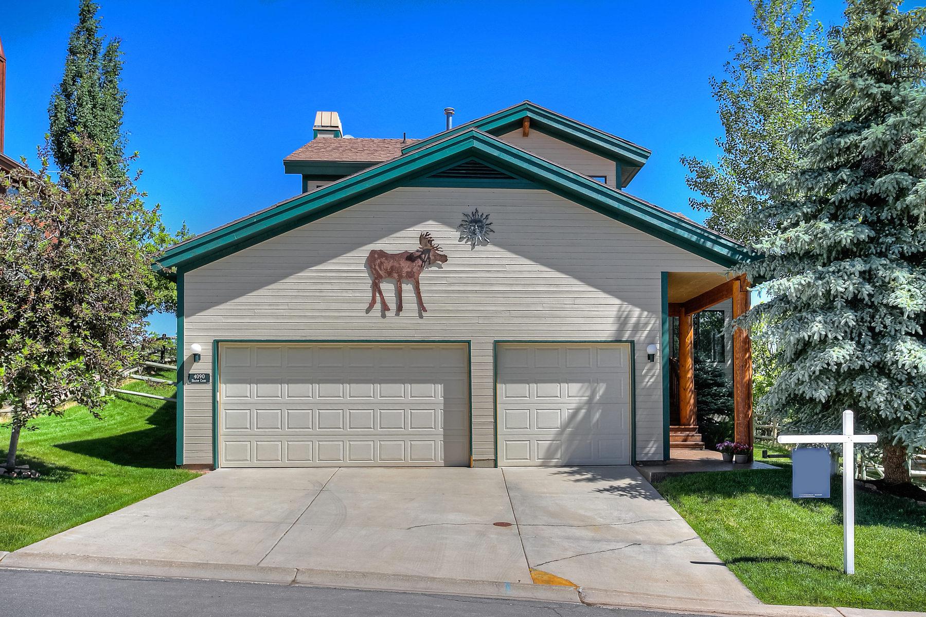 Maison unifamiliale pour l Vente à Charming Home with Amazing Views 4090 Hilltop Ct Park City, Utah 84098 États-Unis