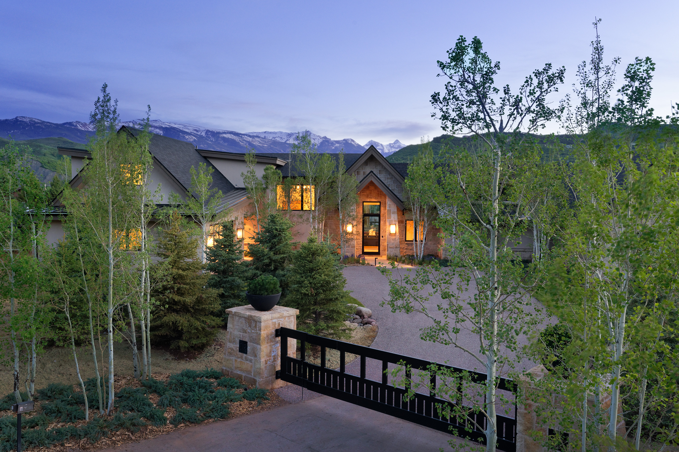 Maison unifamiliale pour l Vente à The Best of the West 112 Byers Court McLain Flats, Aspen, Colorado, 81611 États-Unis