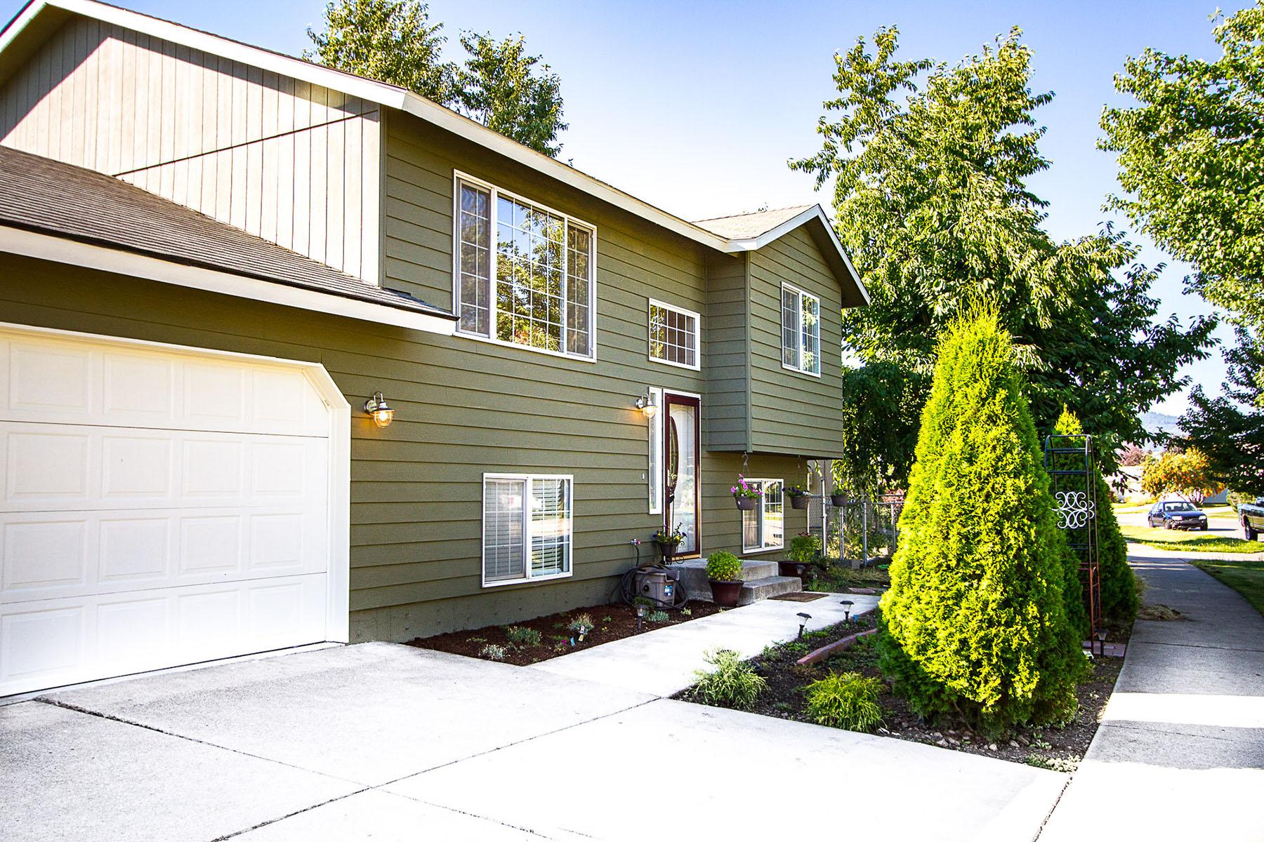 一戸建て のために 売買 アット Stylish Updated with Large Corner Lot 1806 N Lea St Post Falls, アイダホ, 83854 アメリカ合衆国