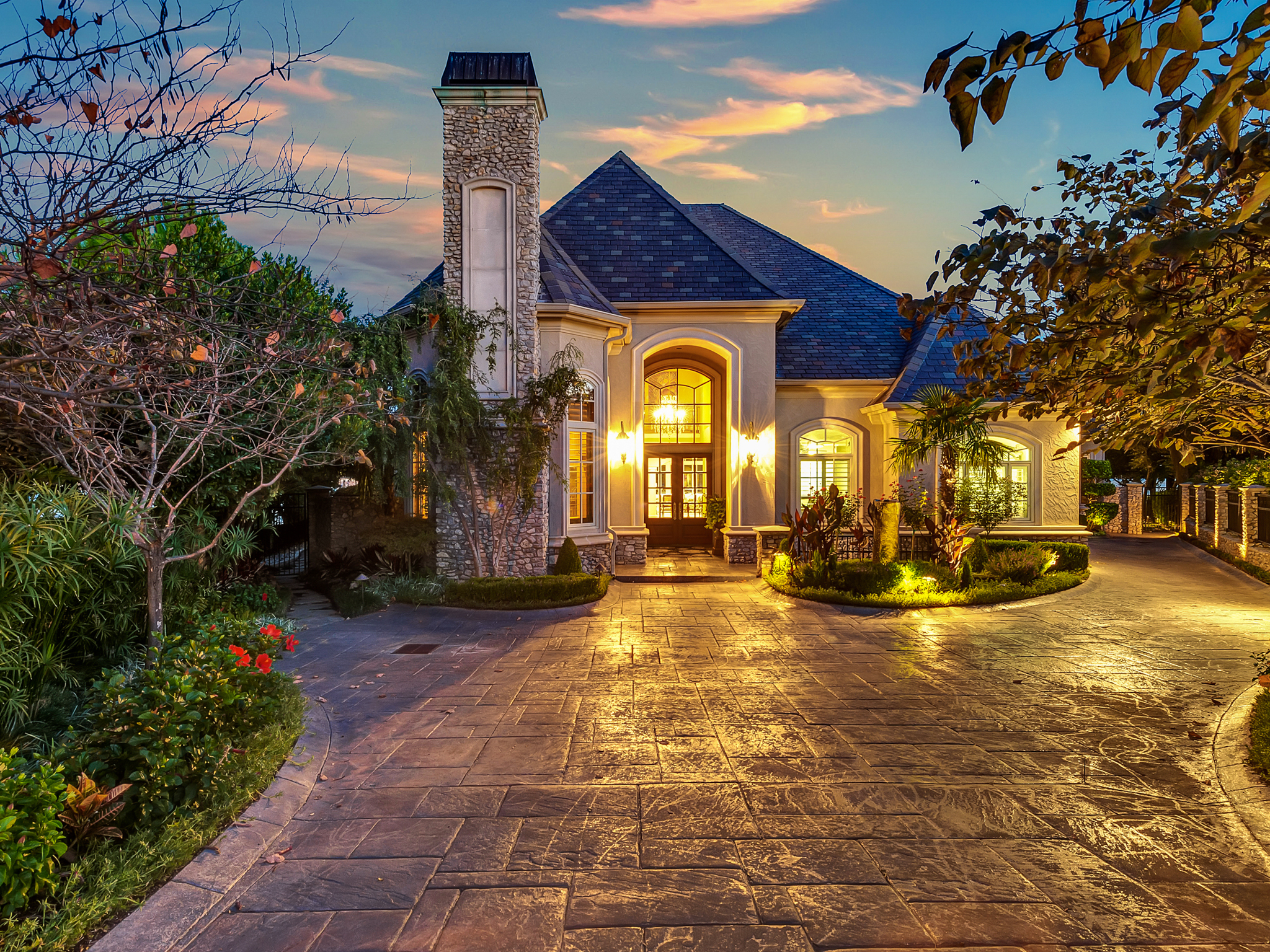 獨棟家庭住宅 為 出售 在 Luxury Waterfront Home on Eagle Mountain Lake 8900 Crest Ridge Drive Fort Worth, 德克薩斯州, 76179 美國