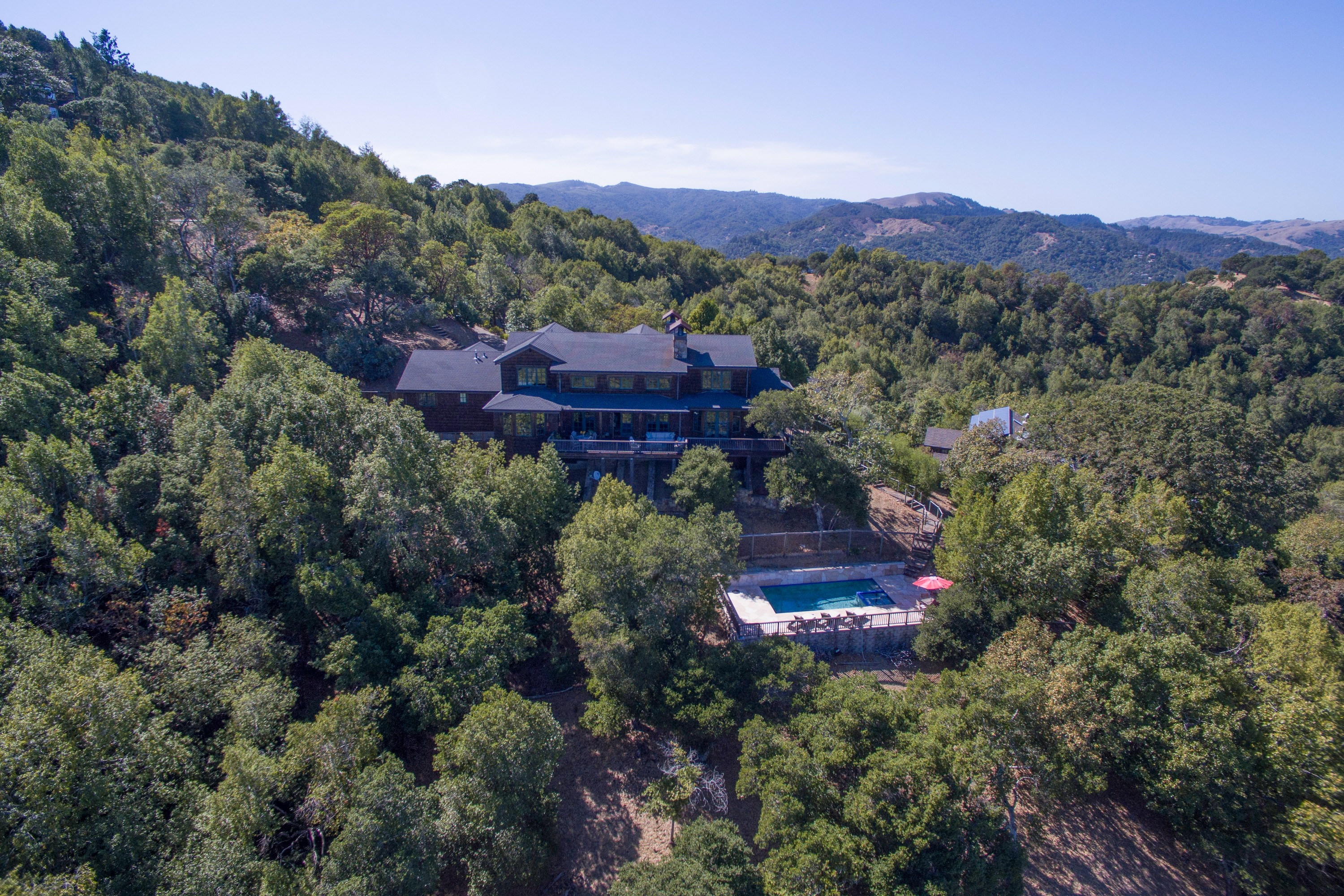 Single Family Home for Sale at Contemporary Hilltop Retreat 565 Oak Avenue San Anselmo, California 94960 United States