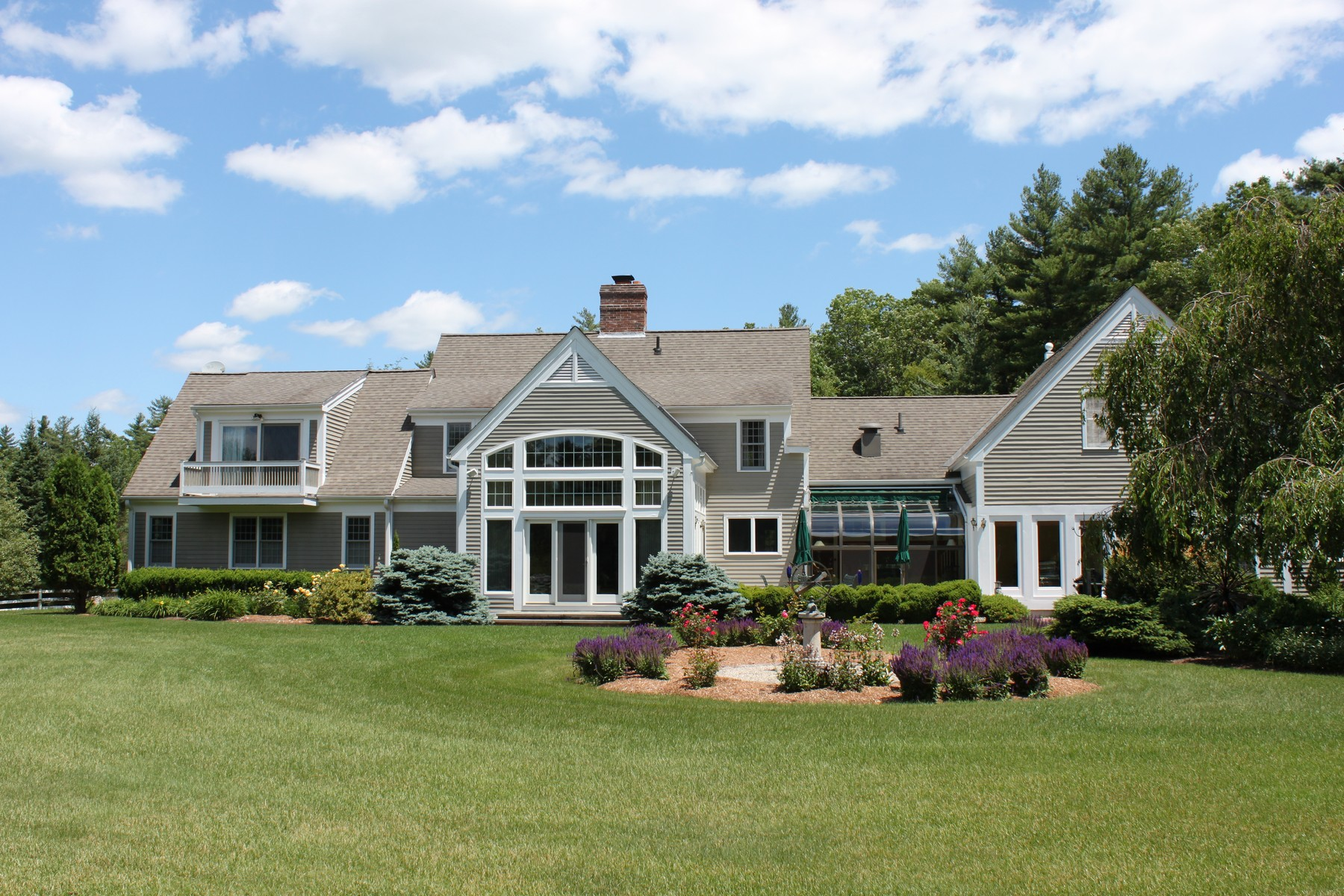 Villa per Vendita alle ore Large Custom New England Cape 5 Still River Rd Bolton, Massachusetts, 01740 Stati Uniti