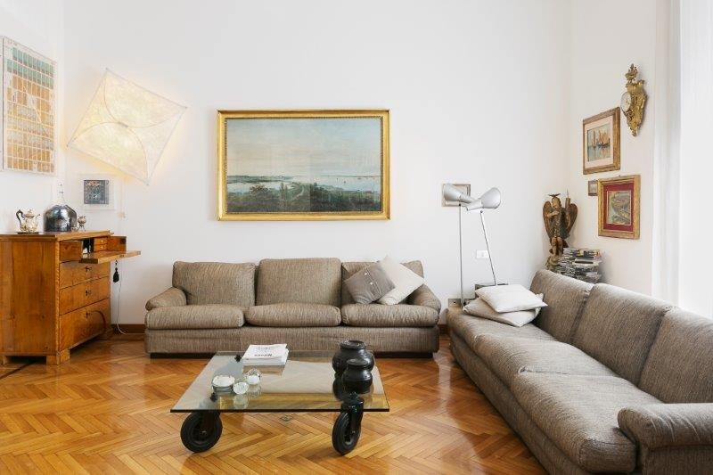 Additional photo for property listing at Two bedroom residence with terrace Via Morozzo della Rocca Milano, Milan 20123 Italien