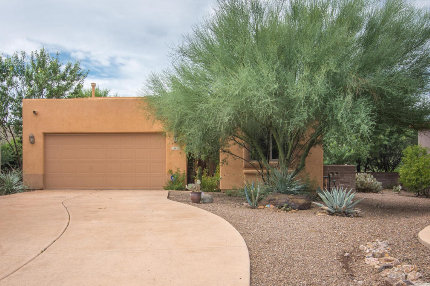 Single Family Home for Sale at On a cul de sac, this is one of the largest homes in the Trails Head Subdivision 116 Powell Ct Tubac, Arizona, 85646 United States