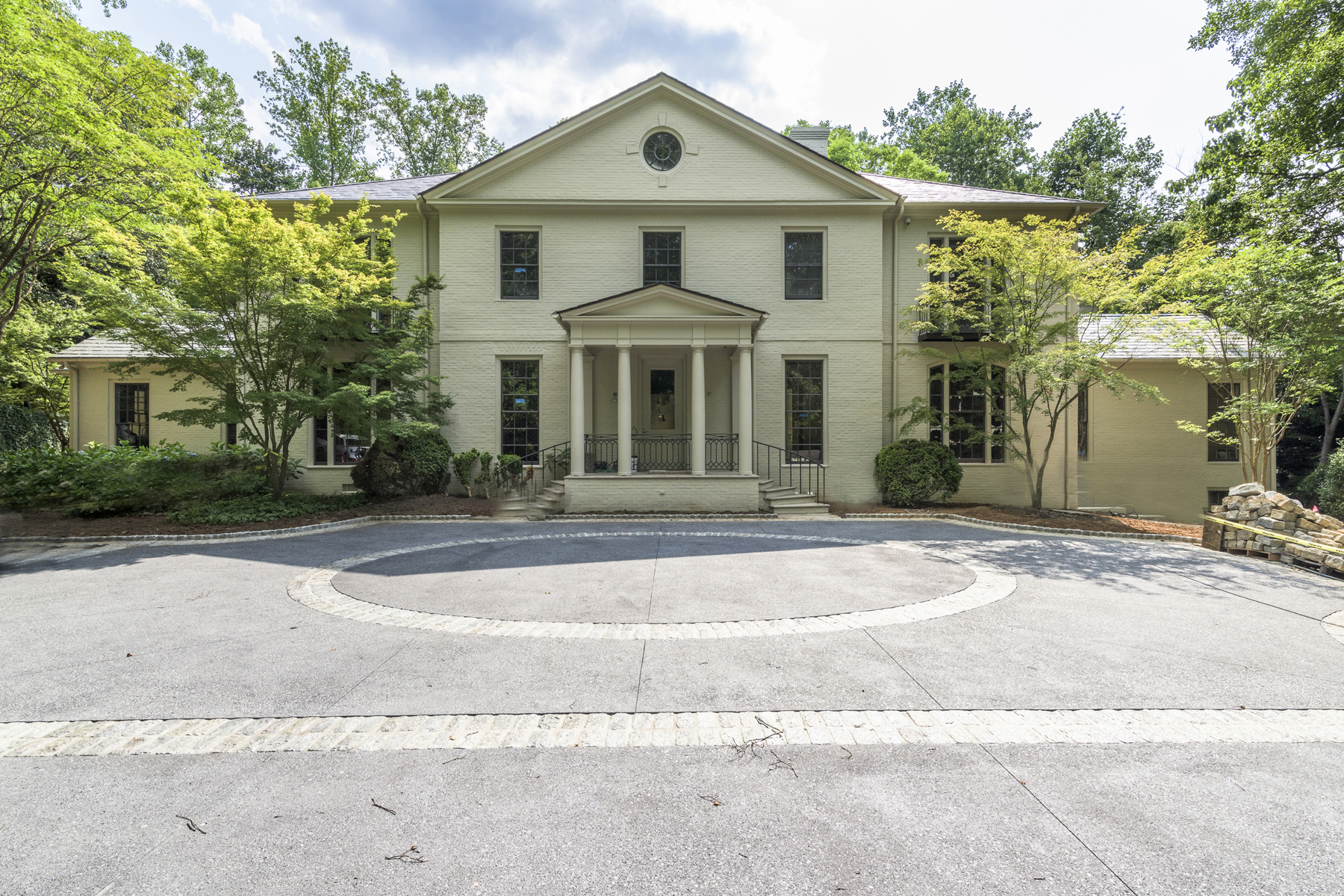 Single Family Home for Sale at Stunning Buckhead Renovation 80 Valley Road NW Tuxedo Park, Atlanta, Georgia, 30305 United States