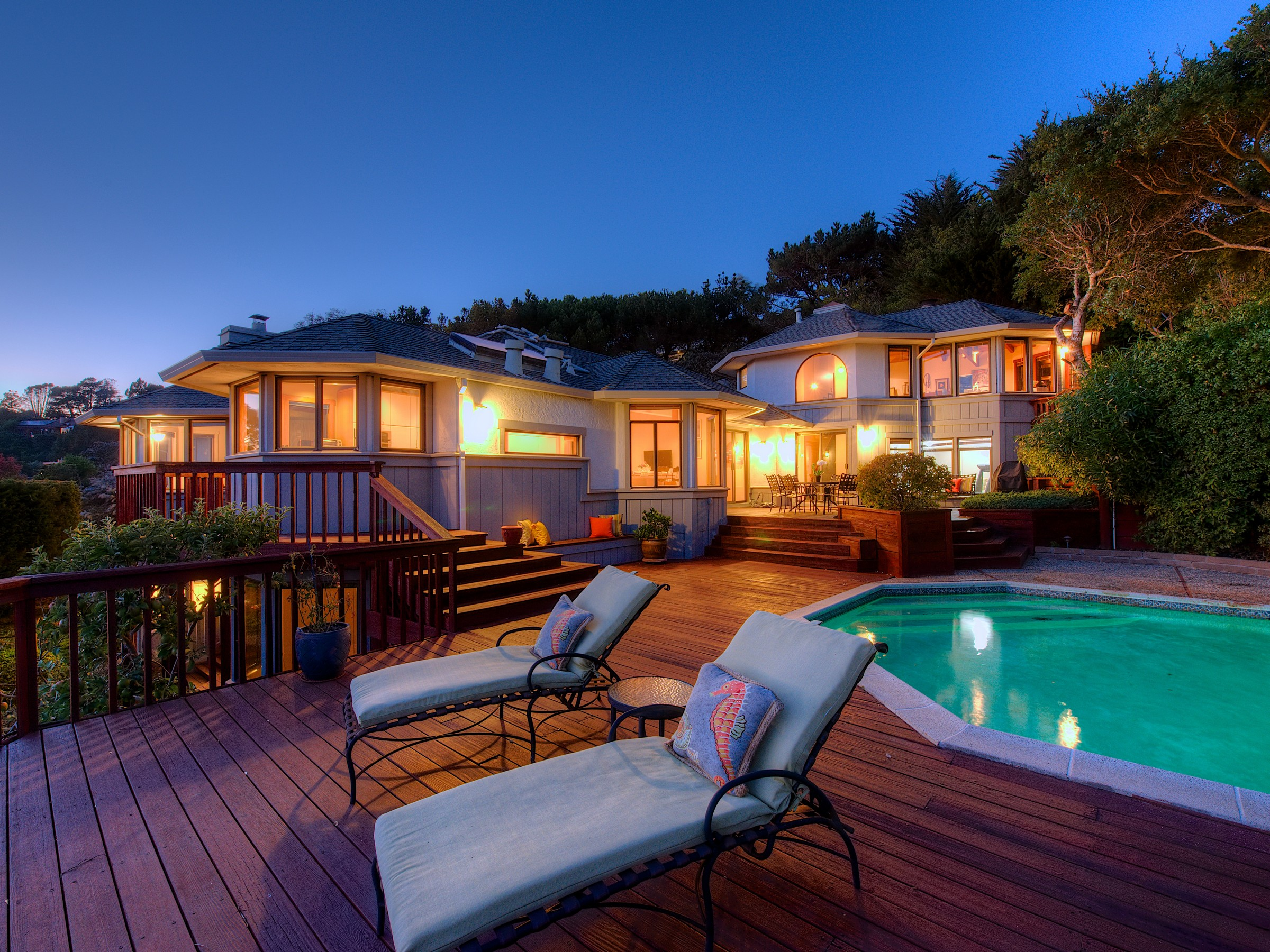 Single Family Home for Sale at Mesmerizing Views of San Francisco, GGB, Belvedere Lagoon & Richardson Bay! 31 Meadow Hill Drive Tiburon, California 94920 United States