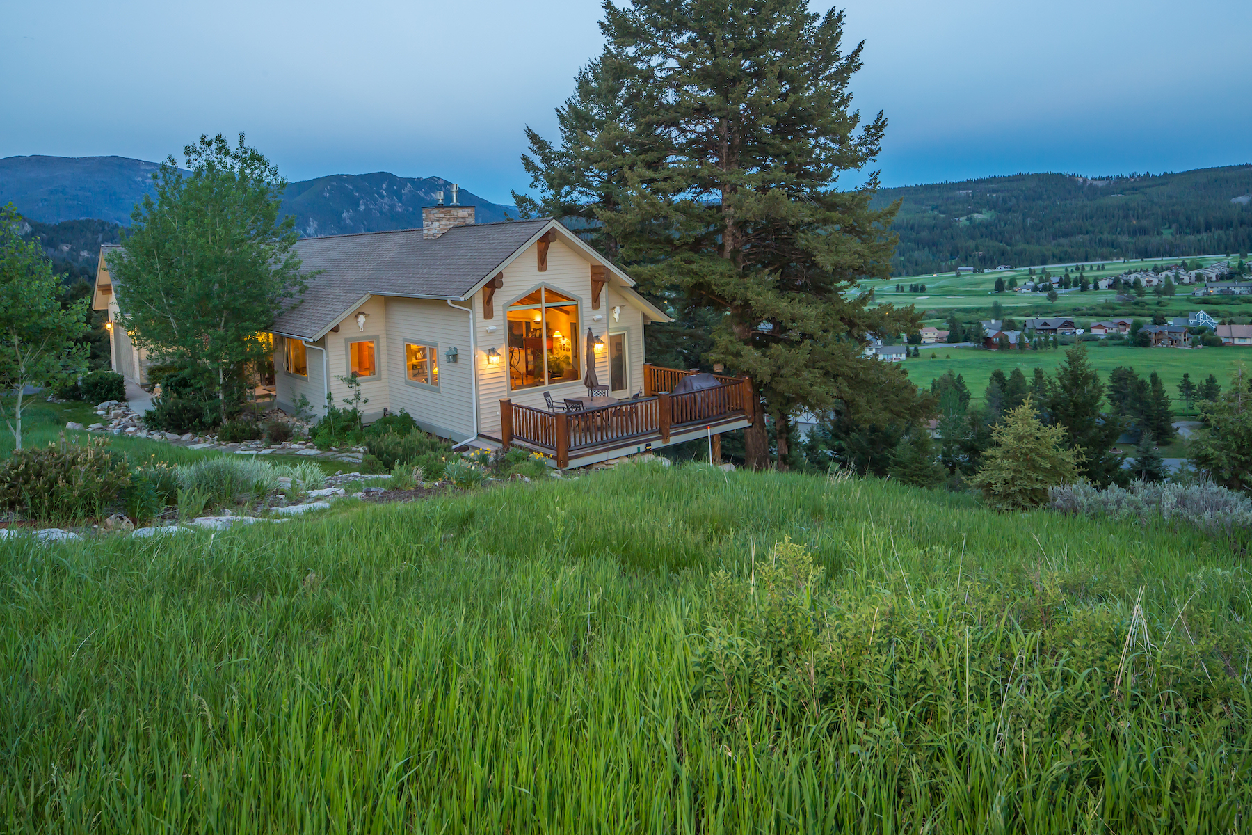 Casa Unifamiliar por un Venta en 2350 Two Gun White Calf Road Big Sky, Montana, 59716 Estados Unidos