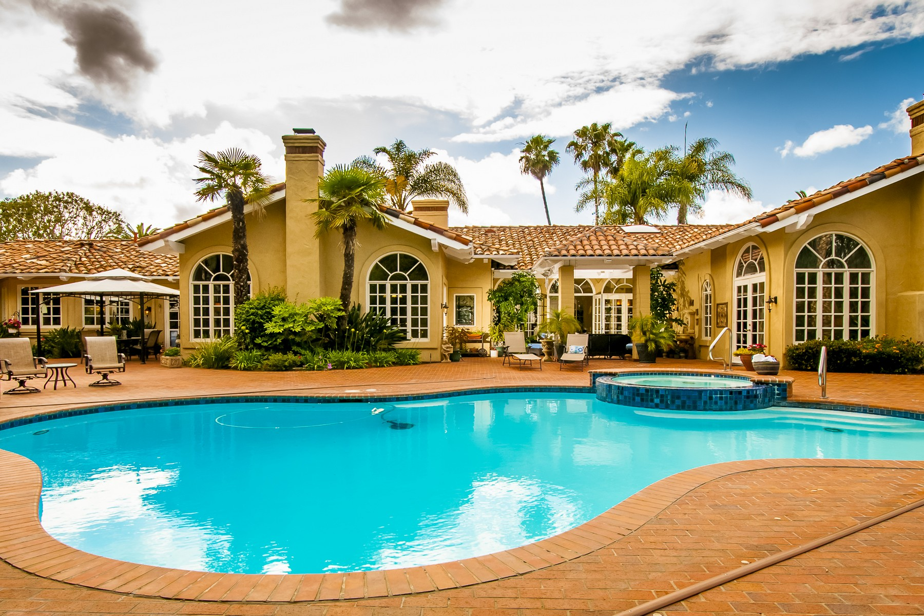 Property For Sale at 17285 Circa Del Sur
