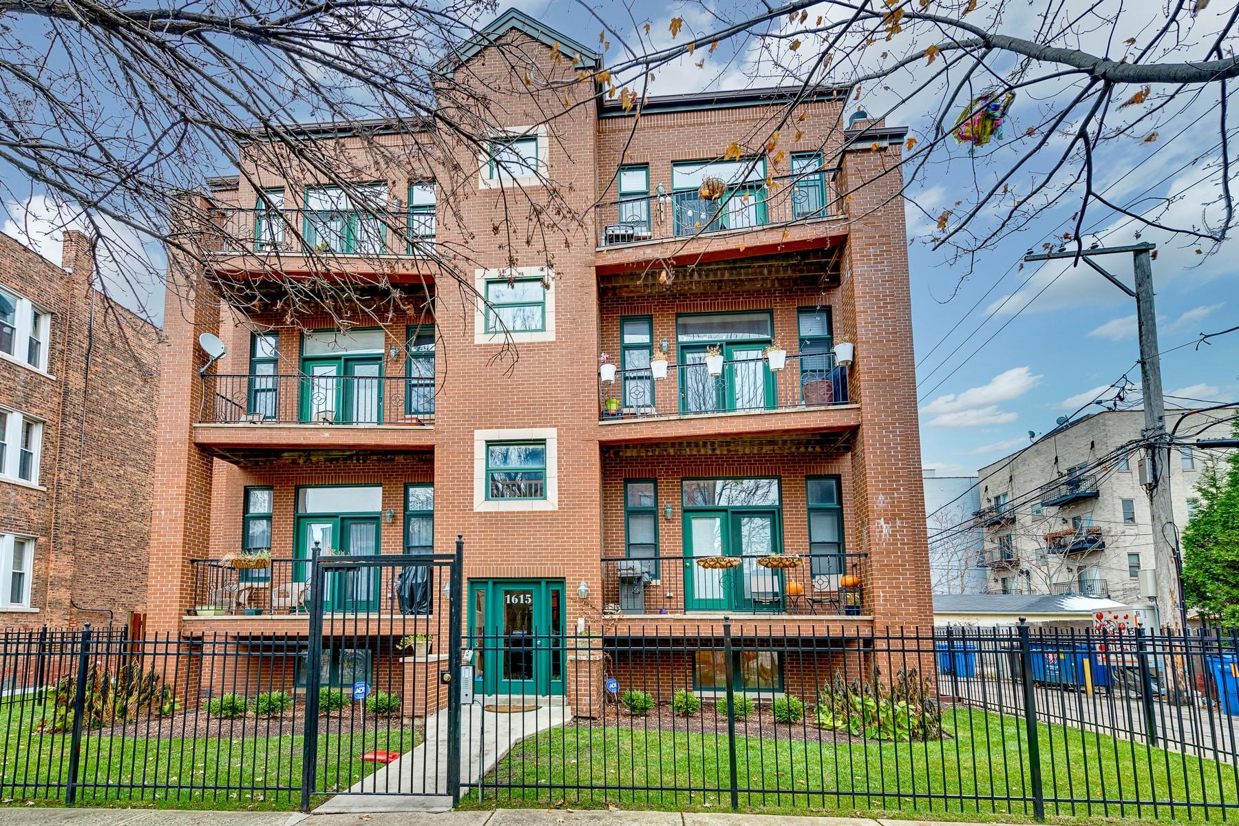 Condominium for Sale at Bucktown Stunner! 1615 N Claremont Avenue Unit 3N Logan Square, Chicago, Illinois 60647 United States