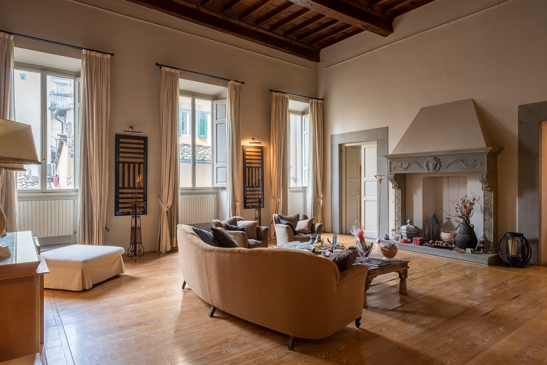 "Apartamento por un Venta en Lovely contemporary apartment in historic ""palazzo"" Sant Ambrogio, Firenze, Florence Italia"