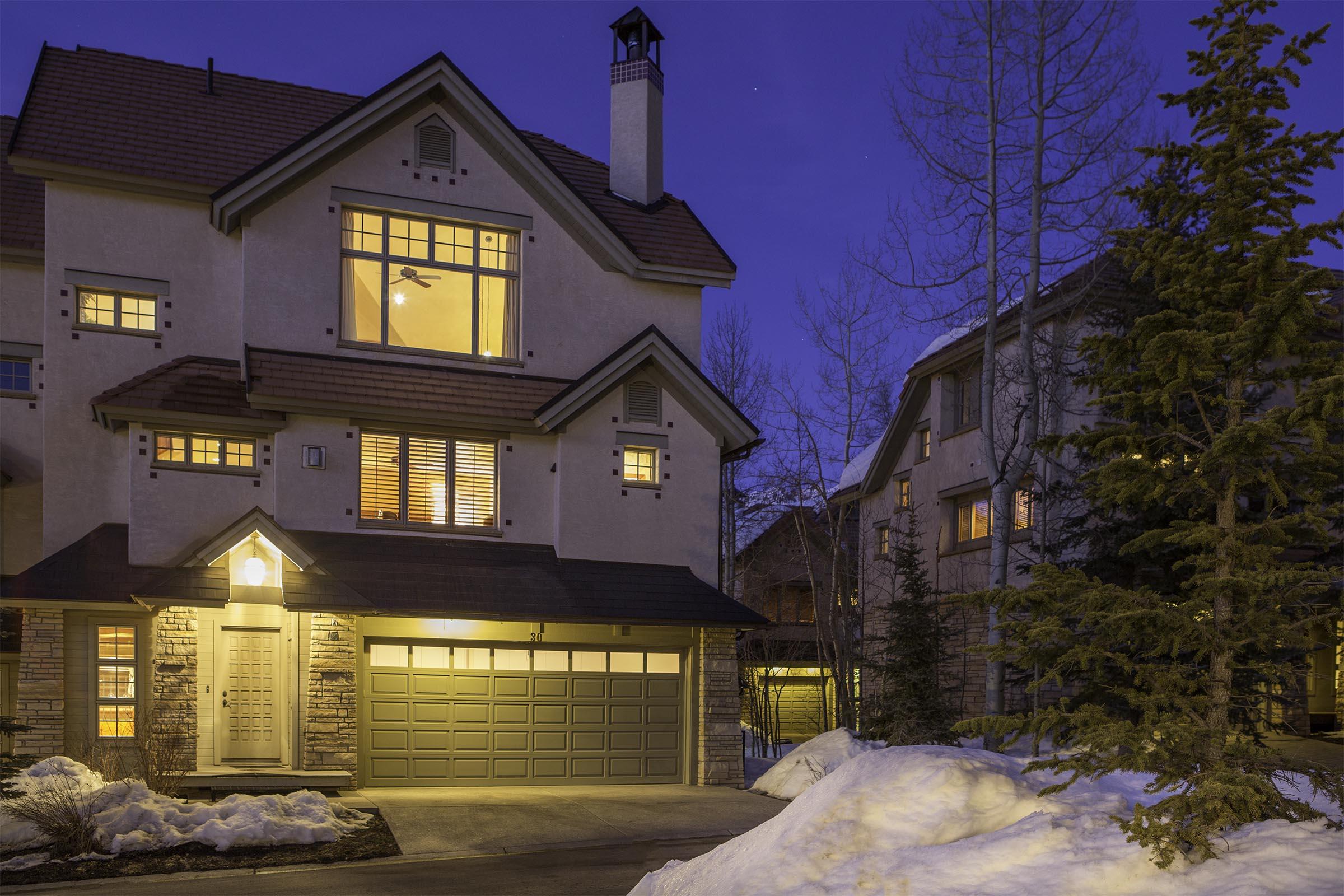 Condomínio para Venda às Aspen Ridge 30 110 Aspen Ridge Drive, Unit 30 Telluride, Colorado, 81435 Estados Unidos