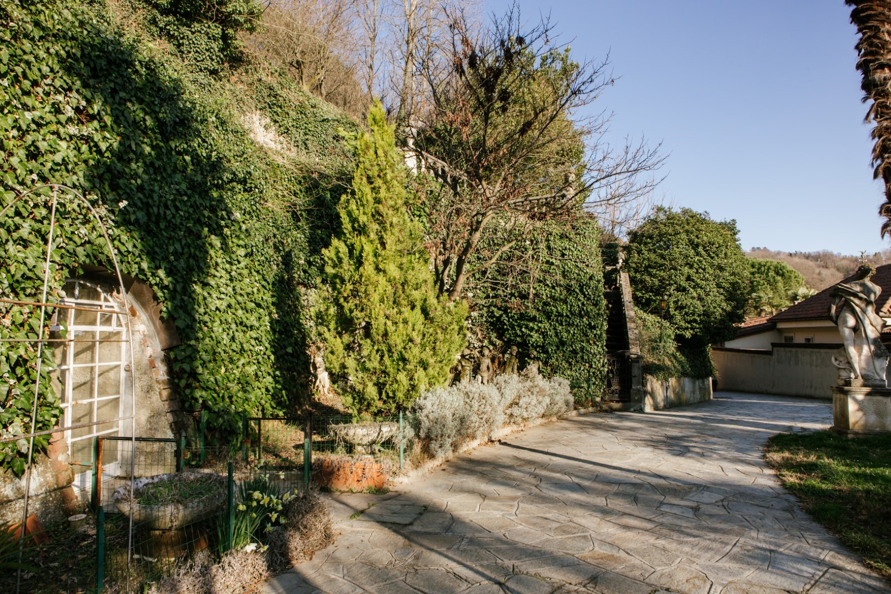 Additional photo for property listing at Historic villa with vineyard of the 1750 on the Moncalieri Hill Via Segantini Moncalieri, Turin 10024 Italien