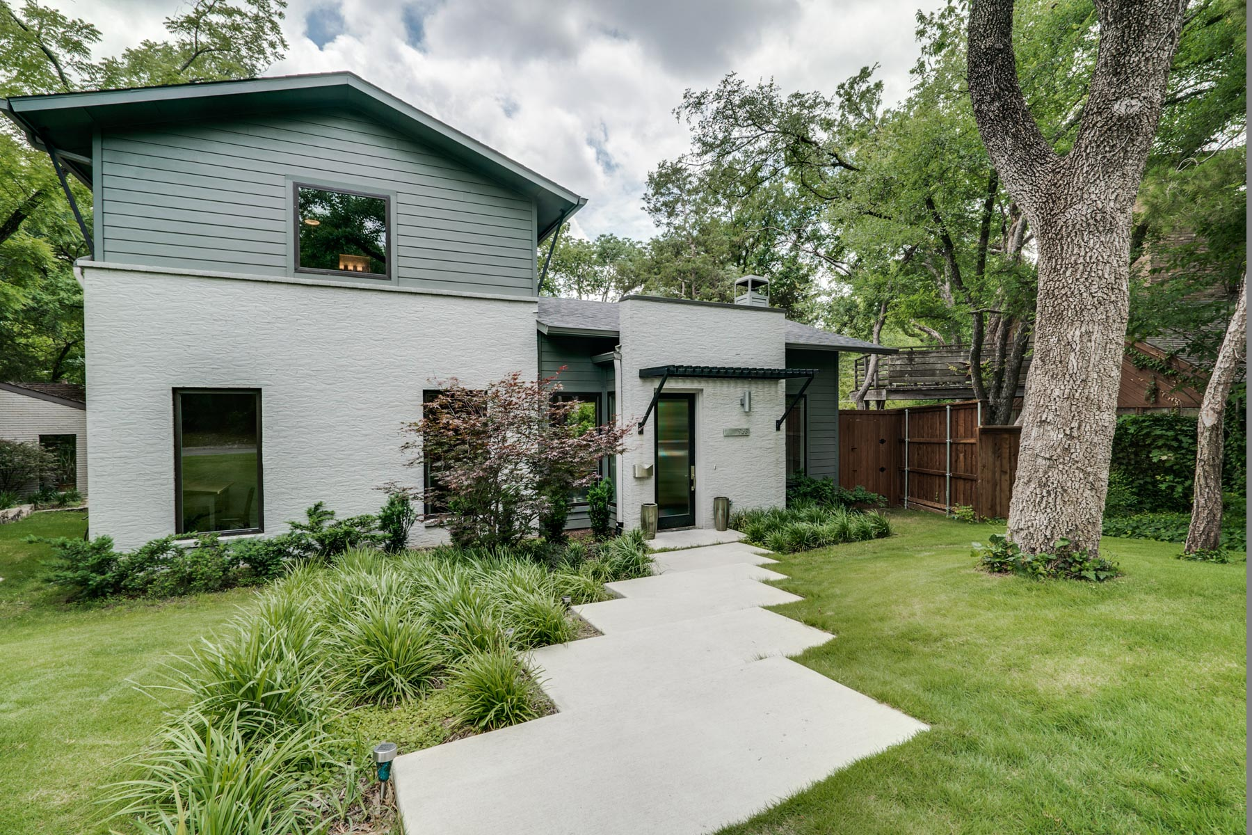 Maison unifamiliale pour l Vente à Easton Place Contemporary 963 Easton Place Dallas, Texas, 75218 États-Unis