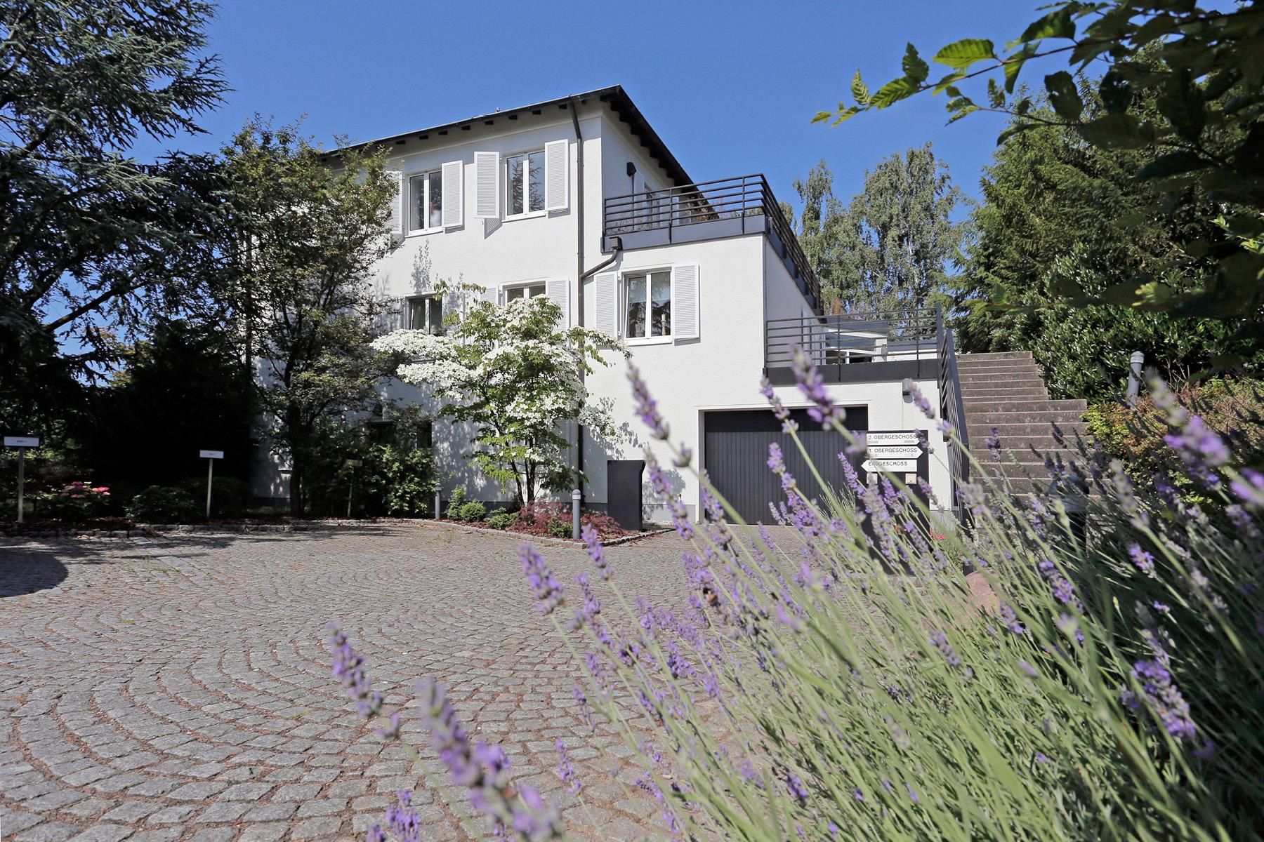 Property For Sale at Multi-Family Villa in idyllic dream plot
