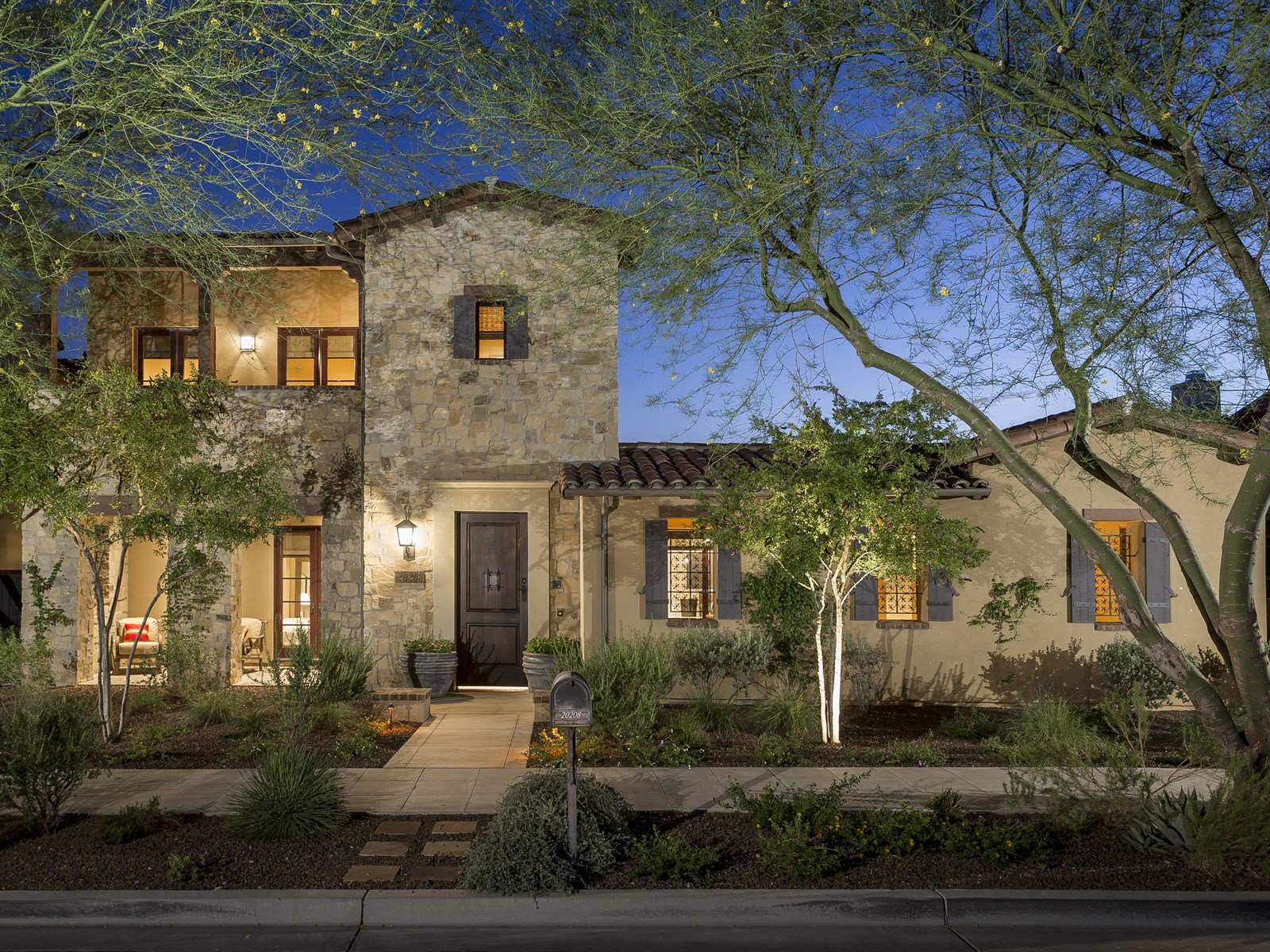 独户住宅 为 销售 在 Stunning Silverleaf Verandah With Traditional Tuscan Architecture 202085 N 101st Way #1202 Scottsdale, 亚利桑那州 85255 美国