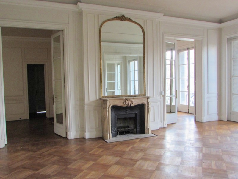 Property For Sale at French Style Apartment in Retiro - Palacio Saint