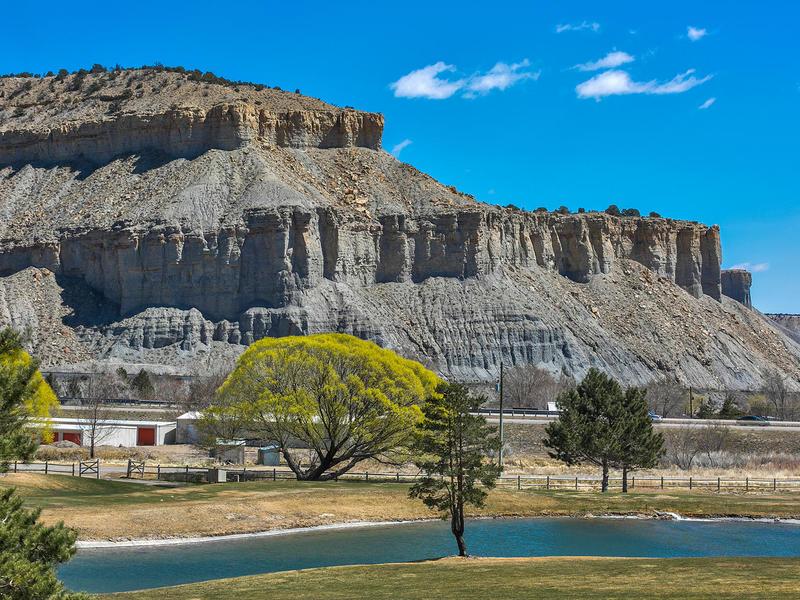Terrain pour l Vente à Highly Sought after Mesa Lot 2570 North 2650 West Lot 16 Helper, Utah 84526 États-Unis
