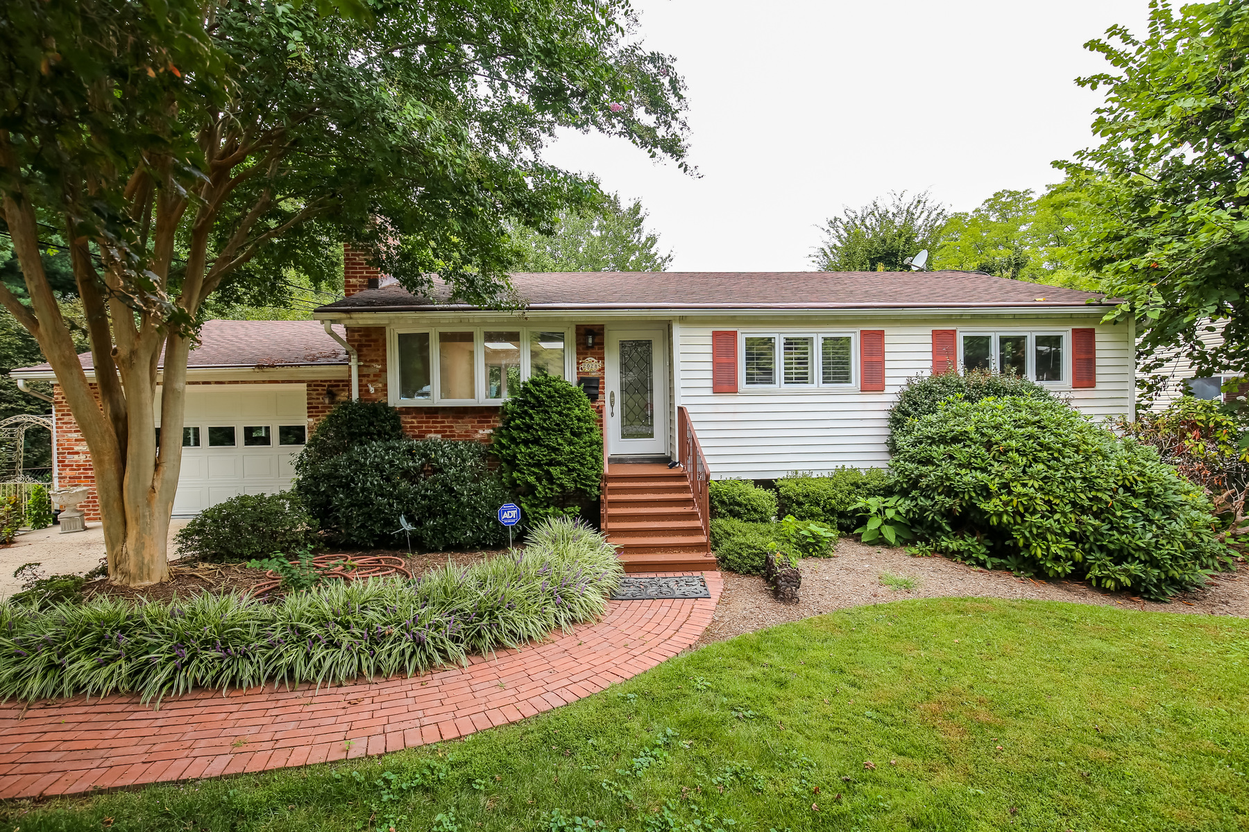 Additional photo for property listing at 2028 Dexter Drive, Falls Church  Falls Church, Виргиния 22043 Соединенные Штаты