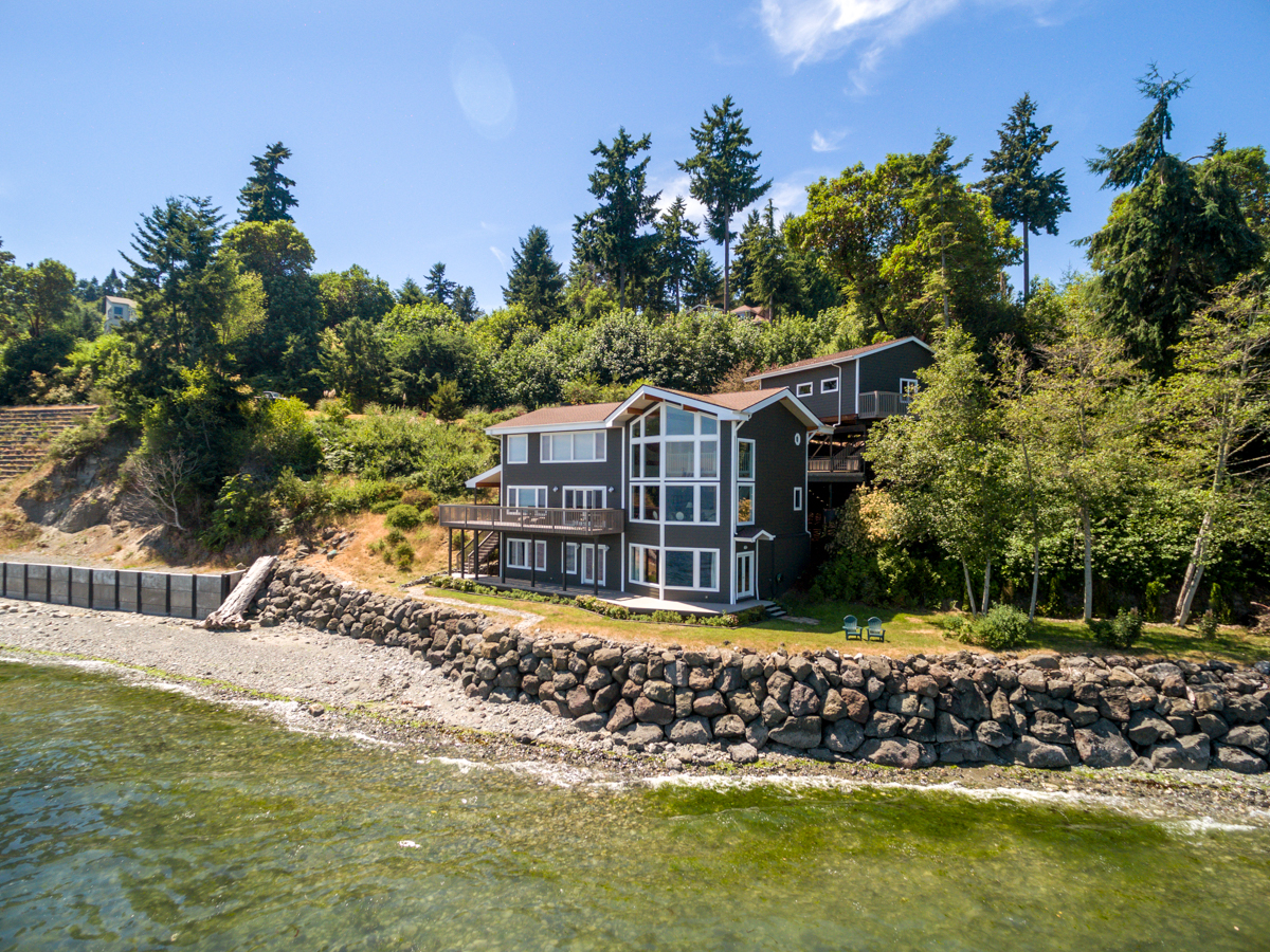 Single Family Home for Sale at Eagle Harbor Waterfront 5492 Rockaway Beach NE Bainbridge Island, Washington 98110 United States