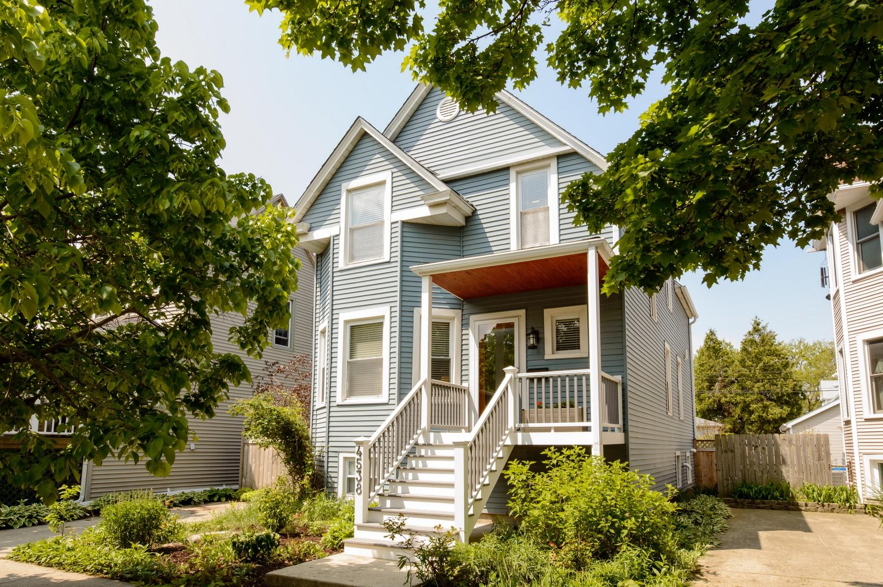Nhà ở một gia đình vì Bán tại Ideally Updated Truly Charming Home 4538 N Kimball Avenue Albany Park, Chicago, Illinois, 60625 Hoa Kỳ