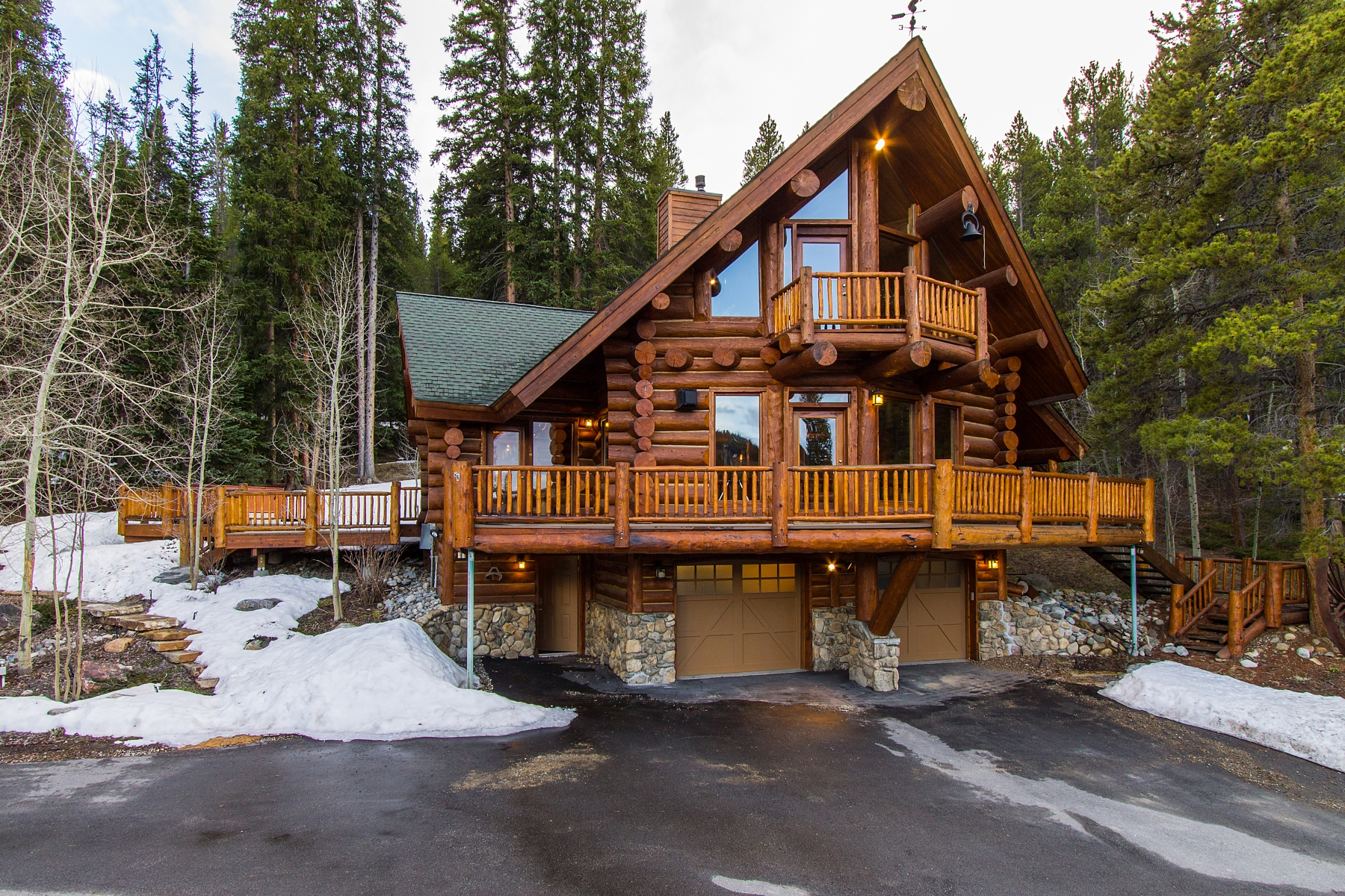 Single Family Home for Sale at Beautiful Log Home on 31 Acres 2602 Tiger Road Breckenridge, Colorado 80424 United States