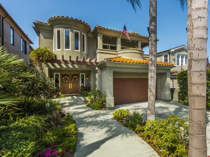 Maison unifamiliale pour l Vente à 873 8th St Manhattan Beach, Californie 90266 États-Unis