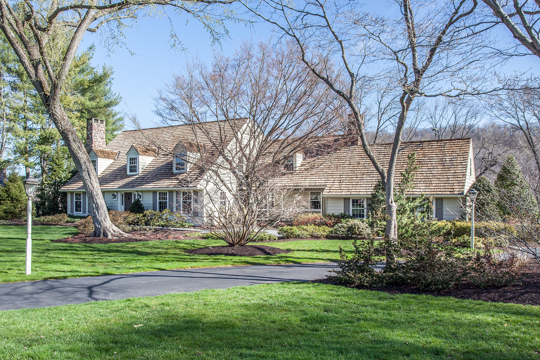 Single Family Home for Sale at New Hope, PA 106 Cedar Glen Drive New Hope, Pennsylvania, 18938 United States