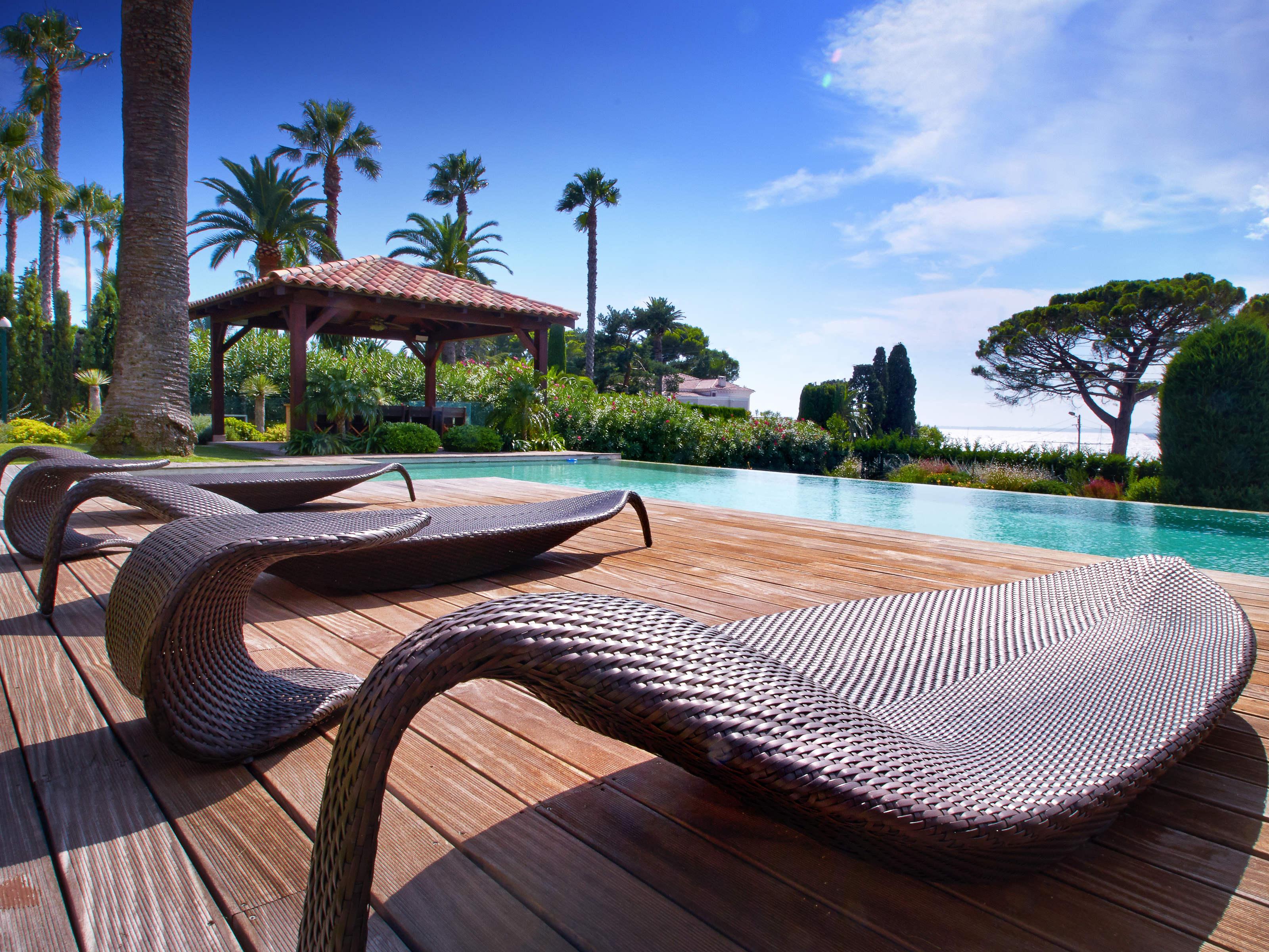 Maison unifamiliale pour l Vente à Modern House with beautiful sea CA5192 views Cap D'Antibes, Provence-Alpes-Cote D'Azur 06160 France