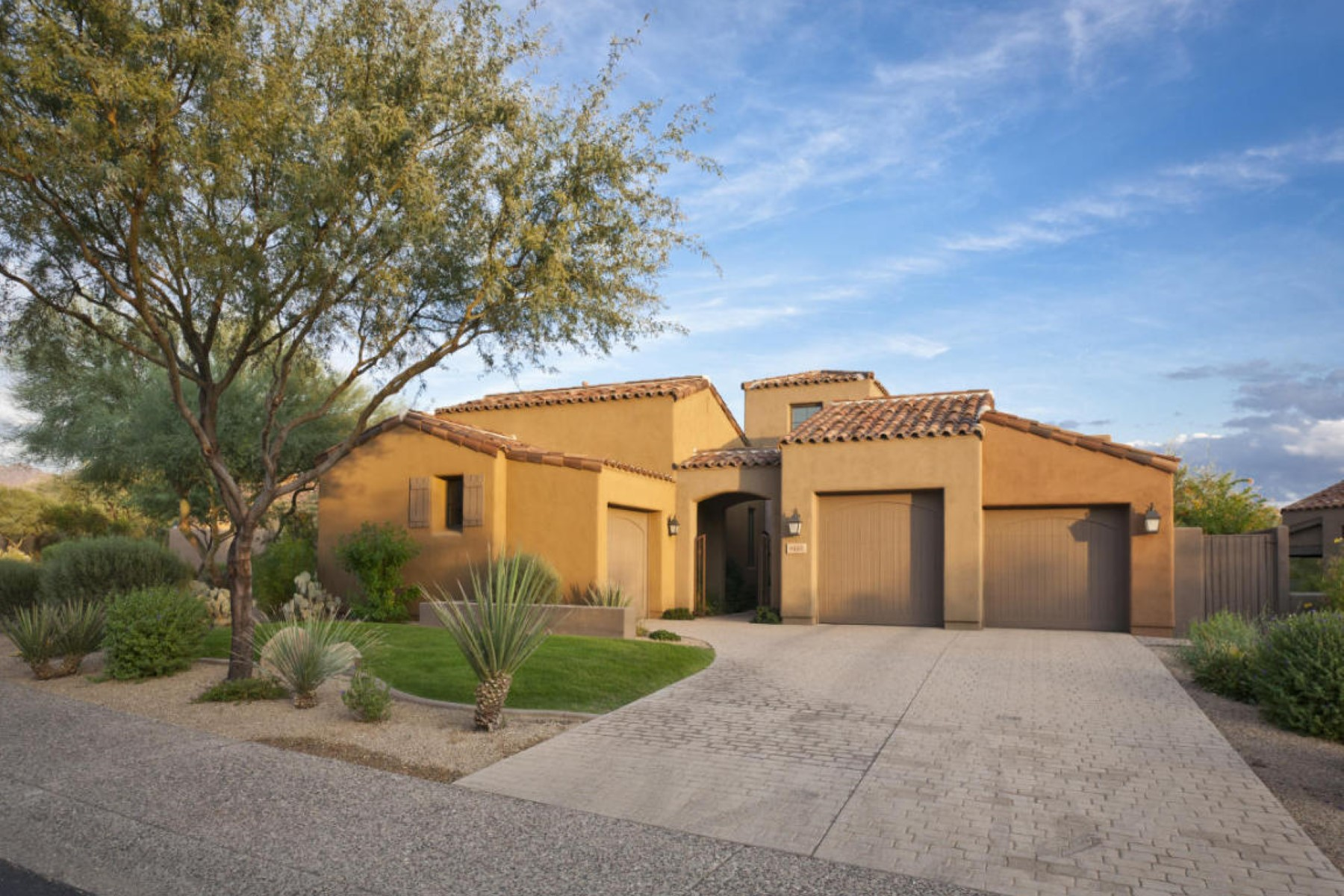 rentals property at Beautiful Home With Tuscan Flair In A Pristine Grayhawk Neighborhood