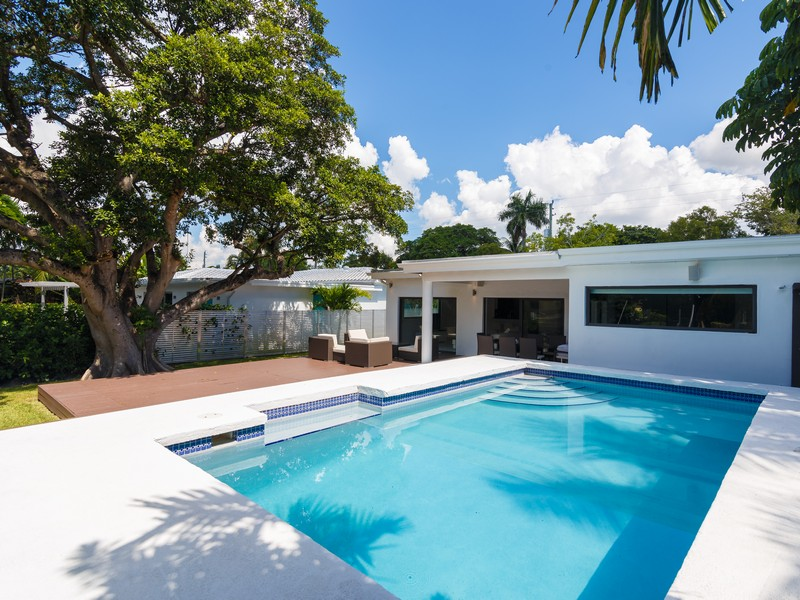 Single Family Home for Sale at 1740 Cleveland Rd. Miami Beach, Florida 33141 United States